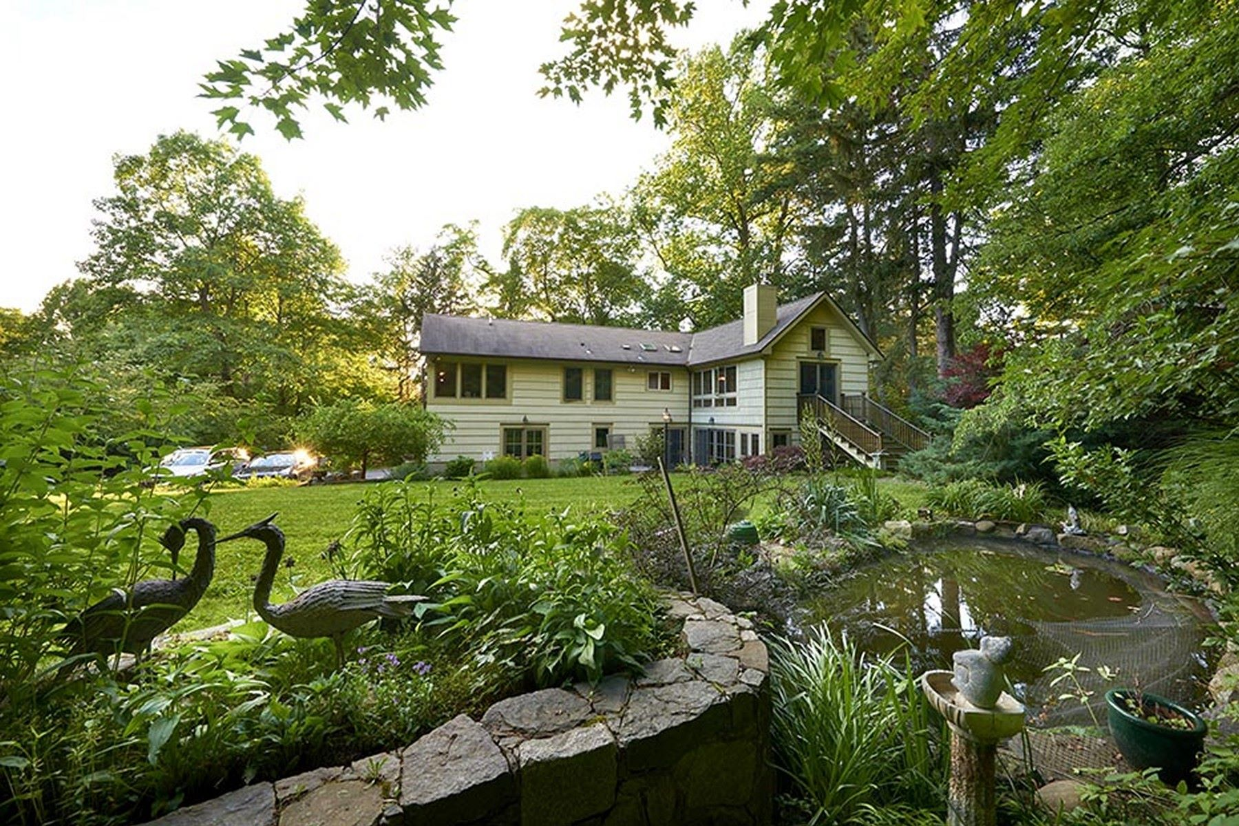 Single Family Homes 為 出售 在 Seasonal River Views 86 River Road, Briarcliff Manor, 纽约 10510 美國