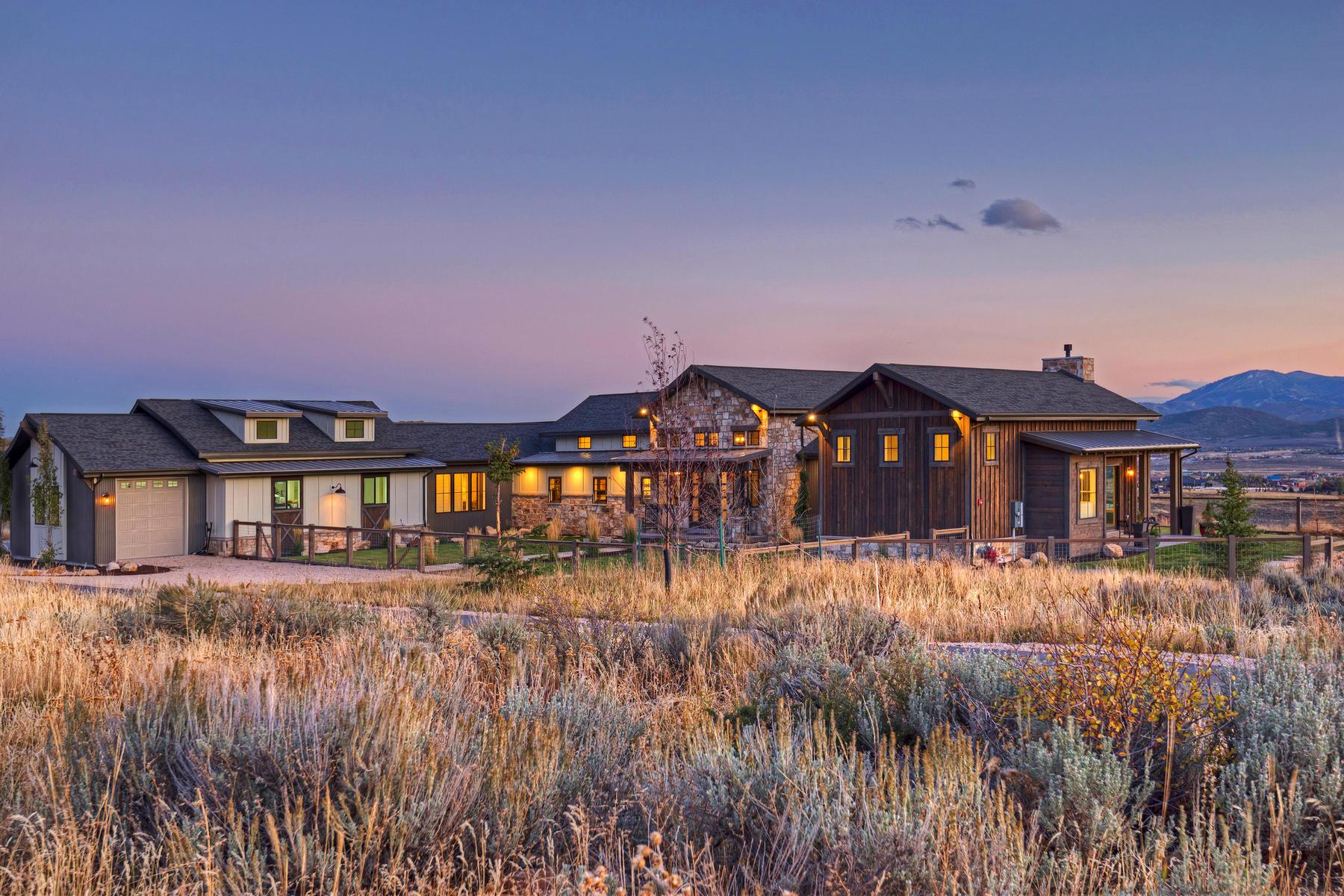 Villa per Vendita alle ore Single Level Elegance on 7 Acres in Silver Creek 842 E Oakridge Road North Park City, Utah, 84098 Stati Uniti