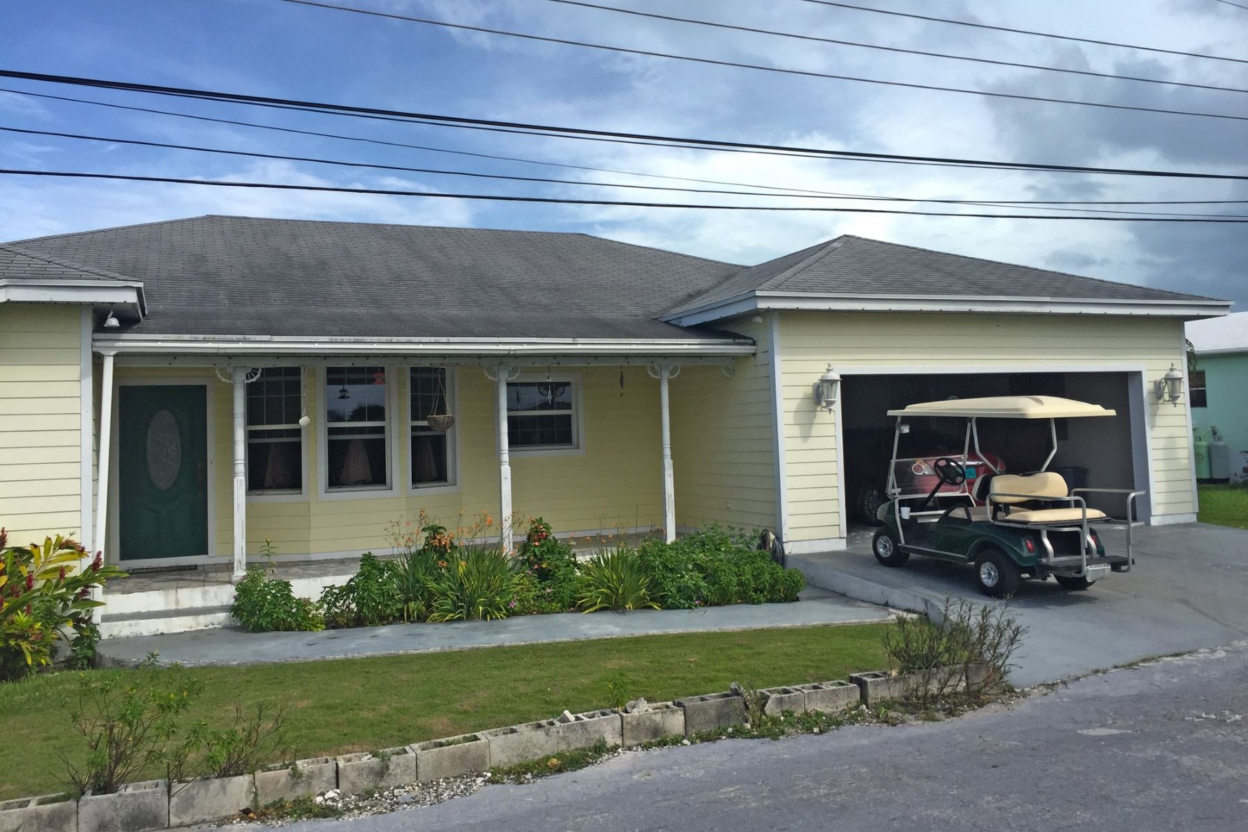 Single Family Home for Sale at Thora's Cottage Spanish Wells, Eleuthera Bahamas