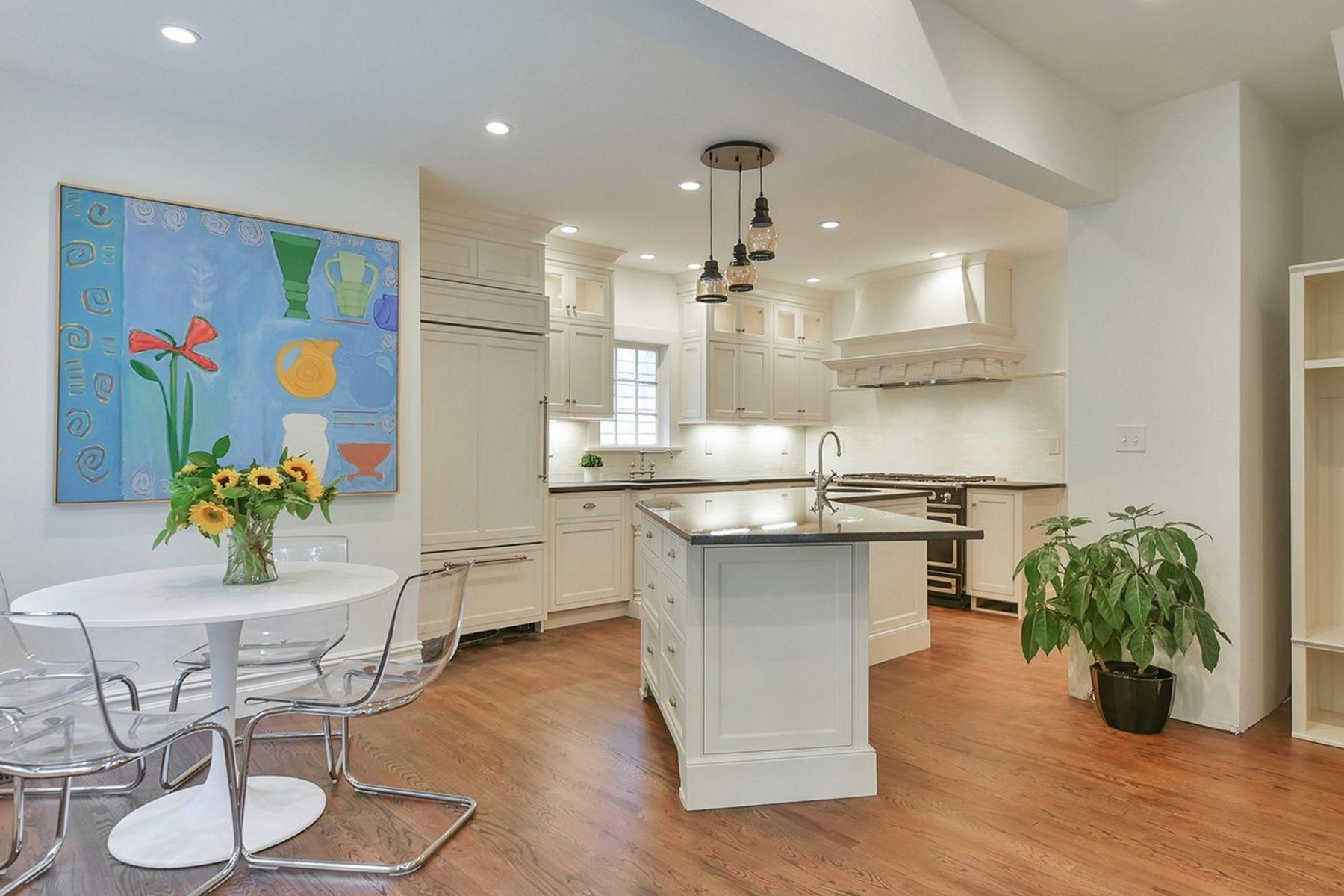 단독 가정 주택 용 매매 에 Sophisticated Craftsman Colonial 30 Warren Place Montclair, 뉴저지, 07042 미국