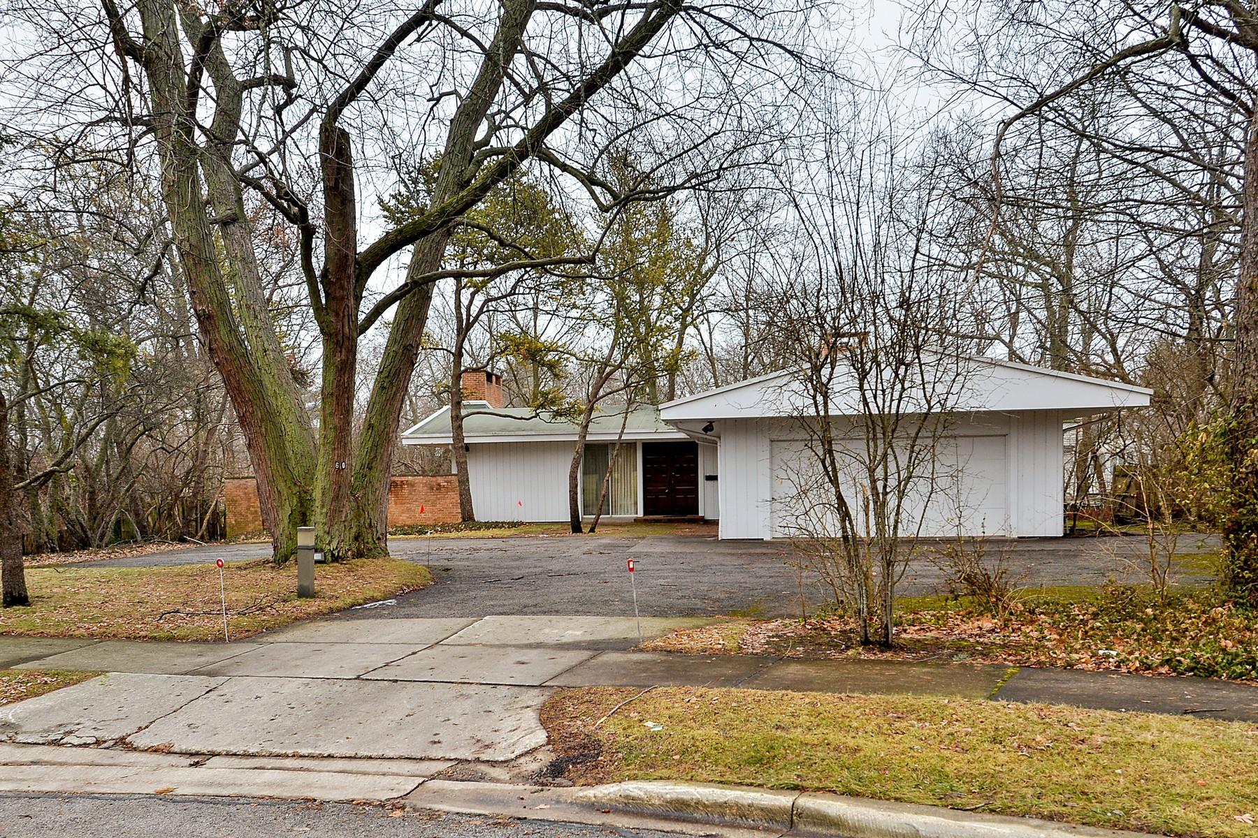 獨棟家庭住宅 為 出售 在 Spectacular Location for a Redevelopment Project 60 Brentwood Drive Glencoe, 伊利諾斯州, 60022 美國