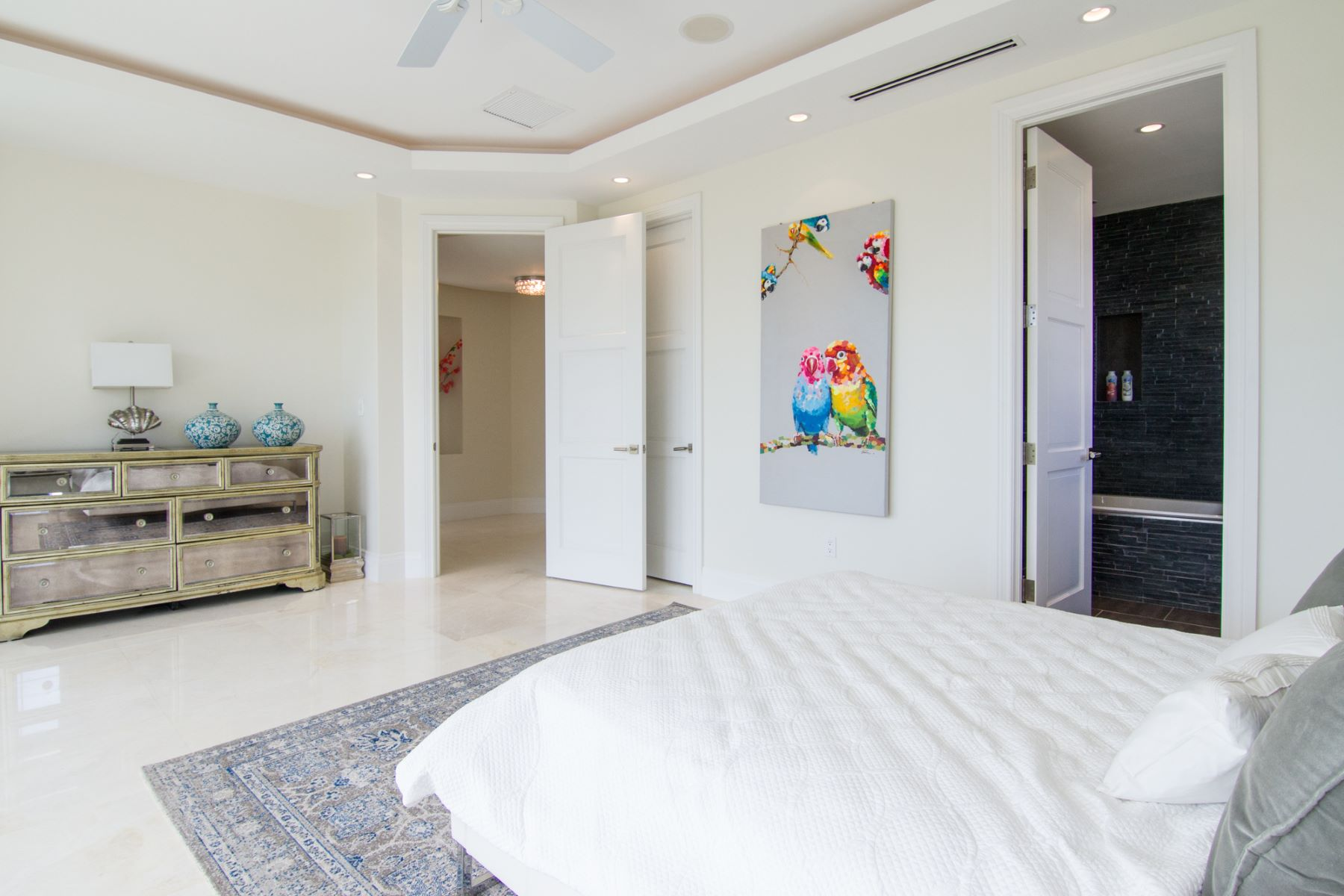 Additional photo for property listing at Mayfair By The Sea 不列颠尼亚, 大开曼岛 开曼群岛