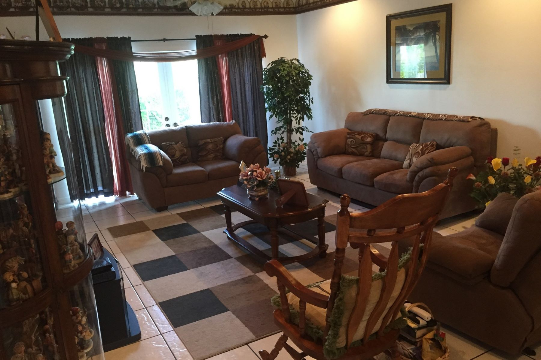 Additional photo for property listing at Thora's Cottage Spanish Wells, Eleuthera Bahamas