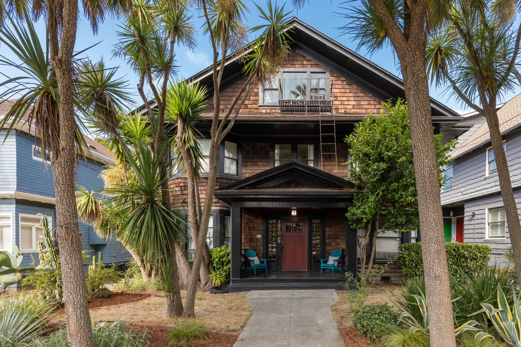 Condominiums のために 売買 アット Charm In The Heart Of Elmwood 2910 Hillegass Avenue #4, Berkeley, カリフォルニア 94705 アメリカ