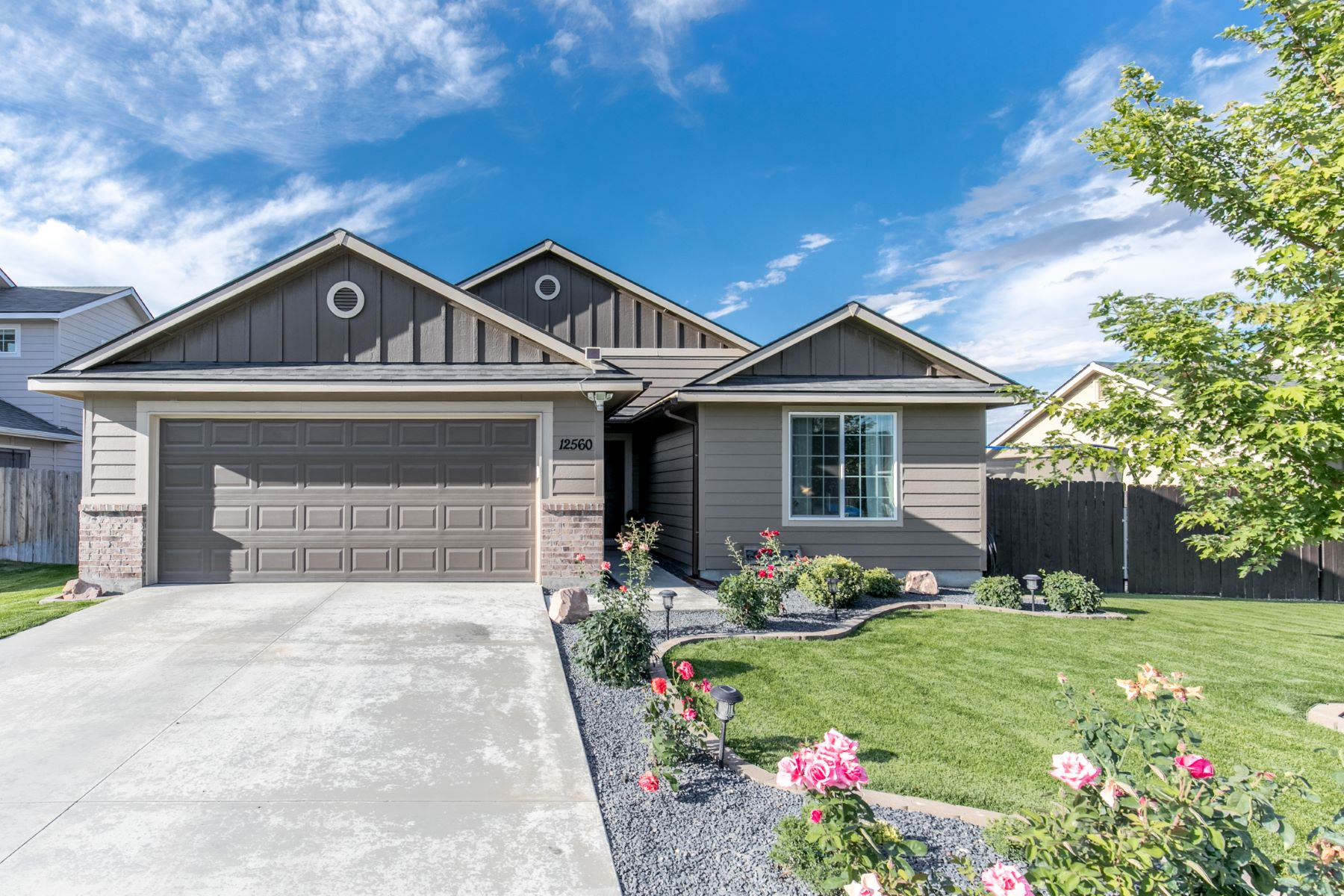 Single Family Homes pour l Vente à 12560 Dakota Crossing, Nampa 12560 Dakota Crossing Nampa, Idaho 83651 États-Unis