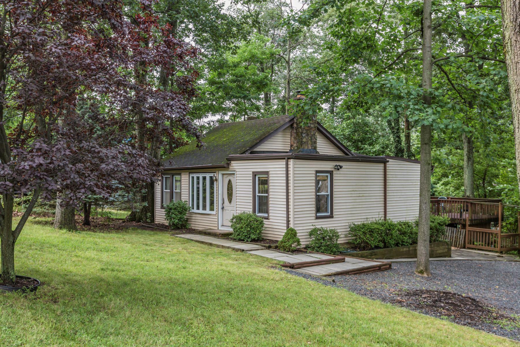Casa para uma família para Venda às Value Priced with Limitless Potential - Green Brook Township 345-349 Top Avenue Dunellen, Nova Jersey 08812 Estados Unidos