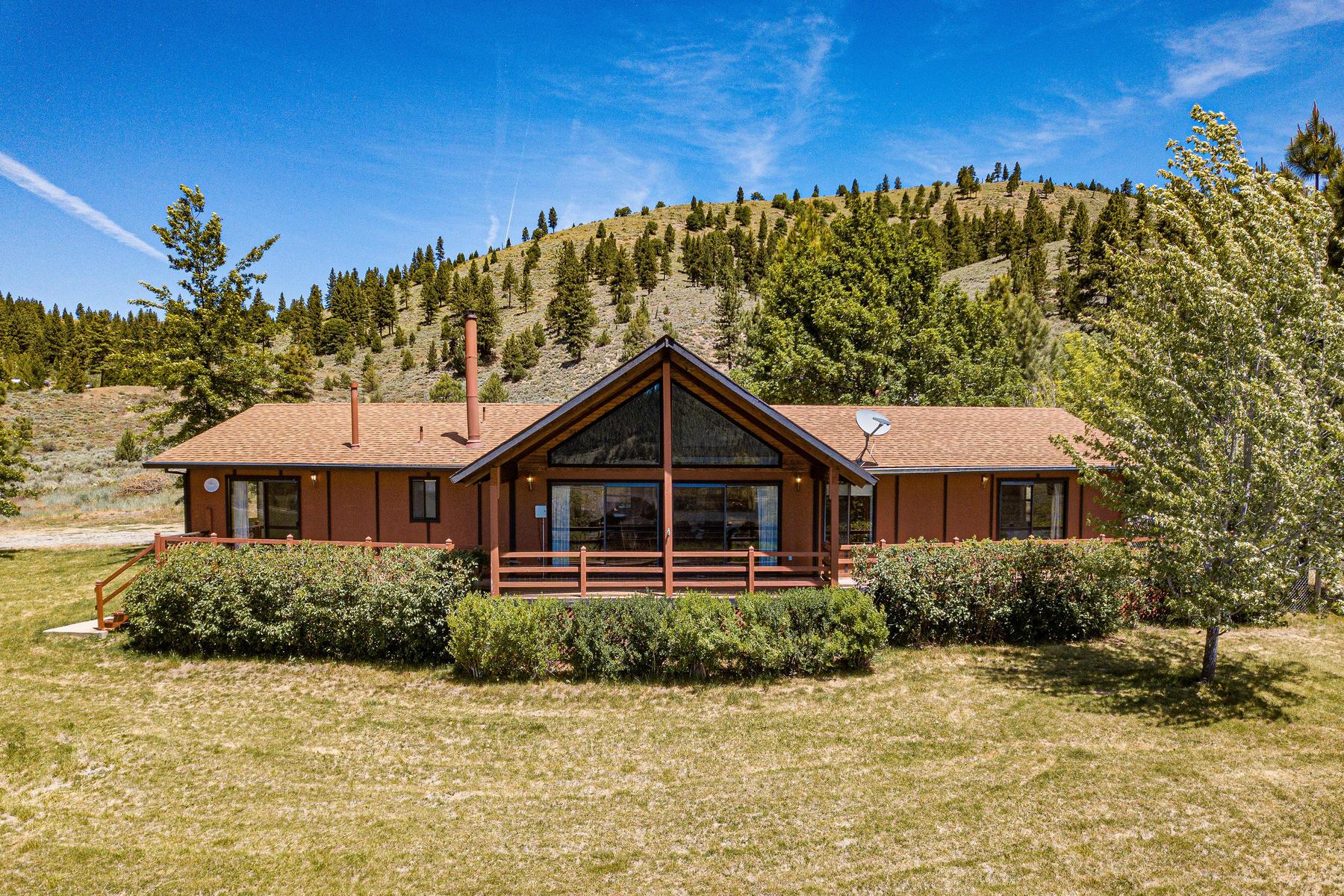 Single Family Homes por un Venta en Panoramic Mountain Views 79395 Brae Gate Road Portola, California 96122 Estados Unidos