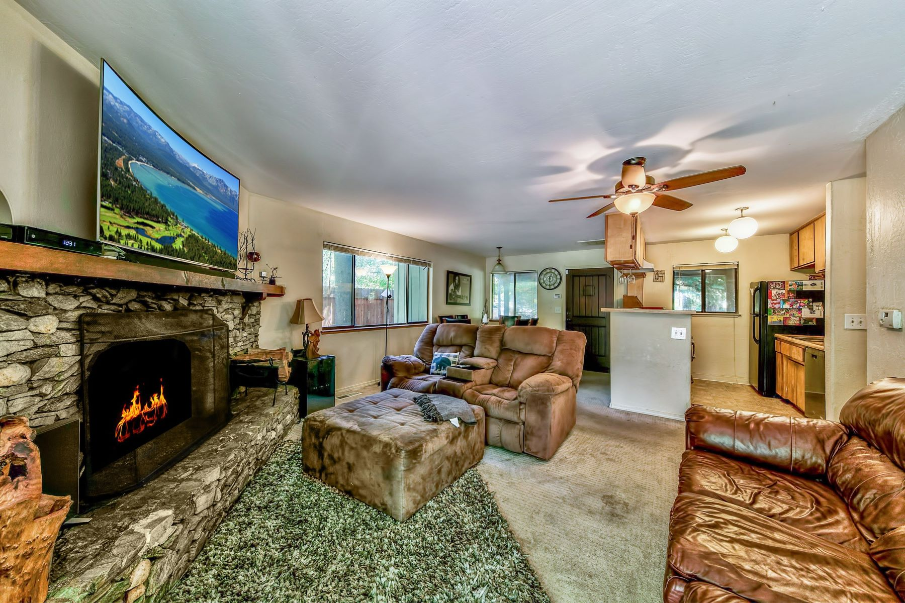 Additional photo for property listing at 1189 Sioux St, South Lake Tahoe, CA 96150 1189 Sioux St. South Lake Tahoe, California 96150 United States