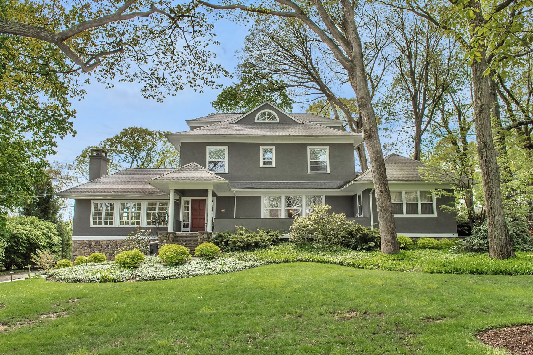 Single Family Homes for Sale at Gracious Colonial 92 Lake Drive Mountain Lakes, New Jersey 07046 United States