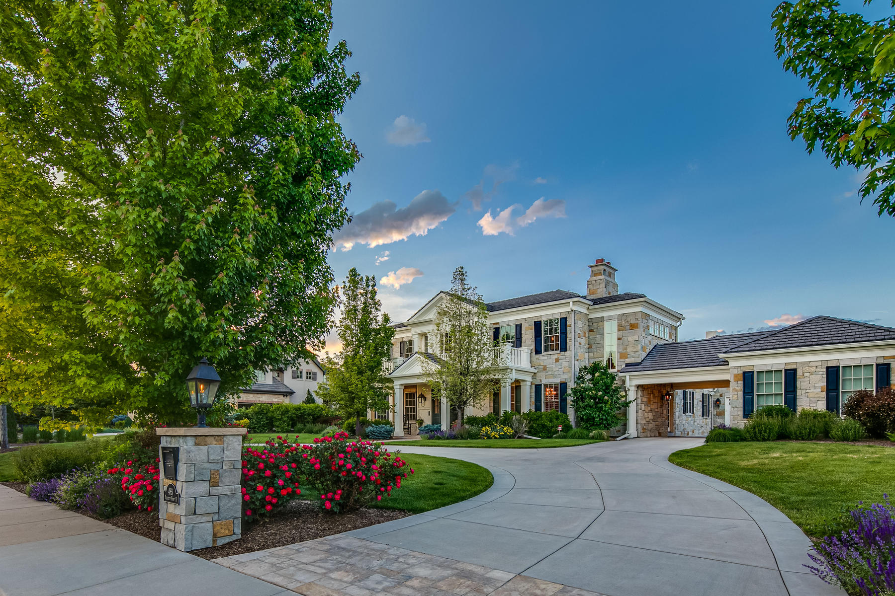 Single Family Homes для того Продажа на Exceptional Georgian inspired masterpiece built by Malibu Homes. 4851 Preserve Parkway North, Greenwood Village, Колорадо 80121 Соединенные Штаты