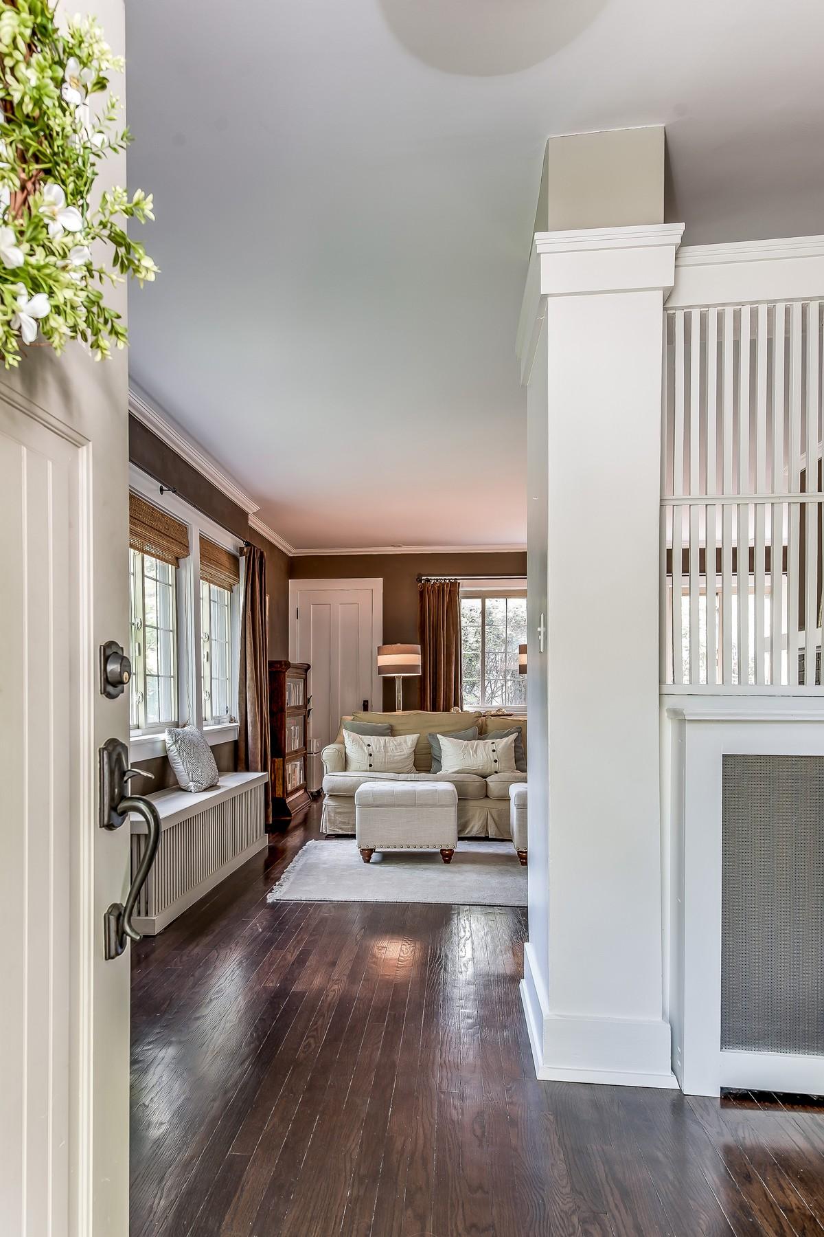 Casa para uma família para Venda às Classic Prairie Style Home 401 Woodlawn Avenue Glencoe, Illinois, 60022 Estados Unidos