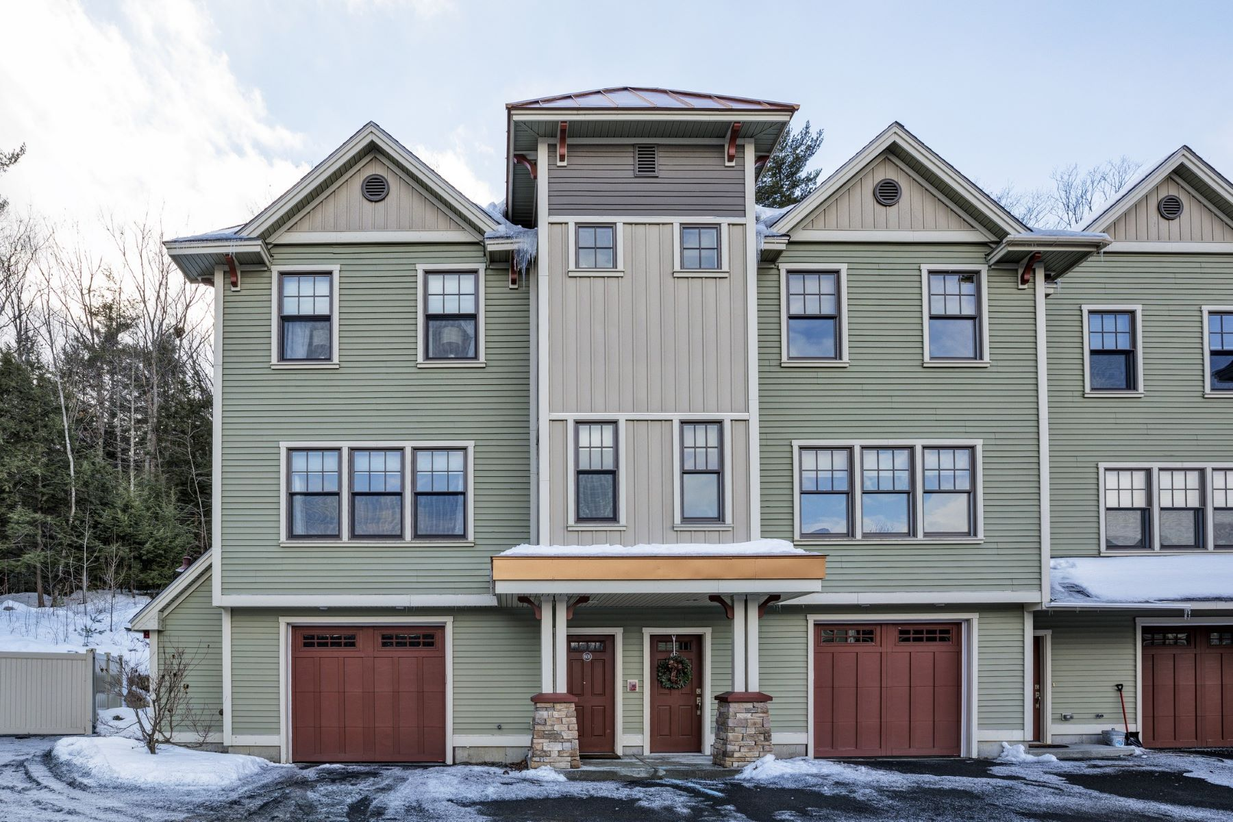 Single Family Home for Sale at Sunny Quarry Hill End Unit 337 Mount Support Rd 601 Lebanon, New Hampshire 03766 United States
