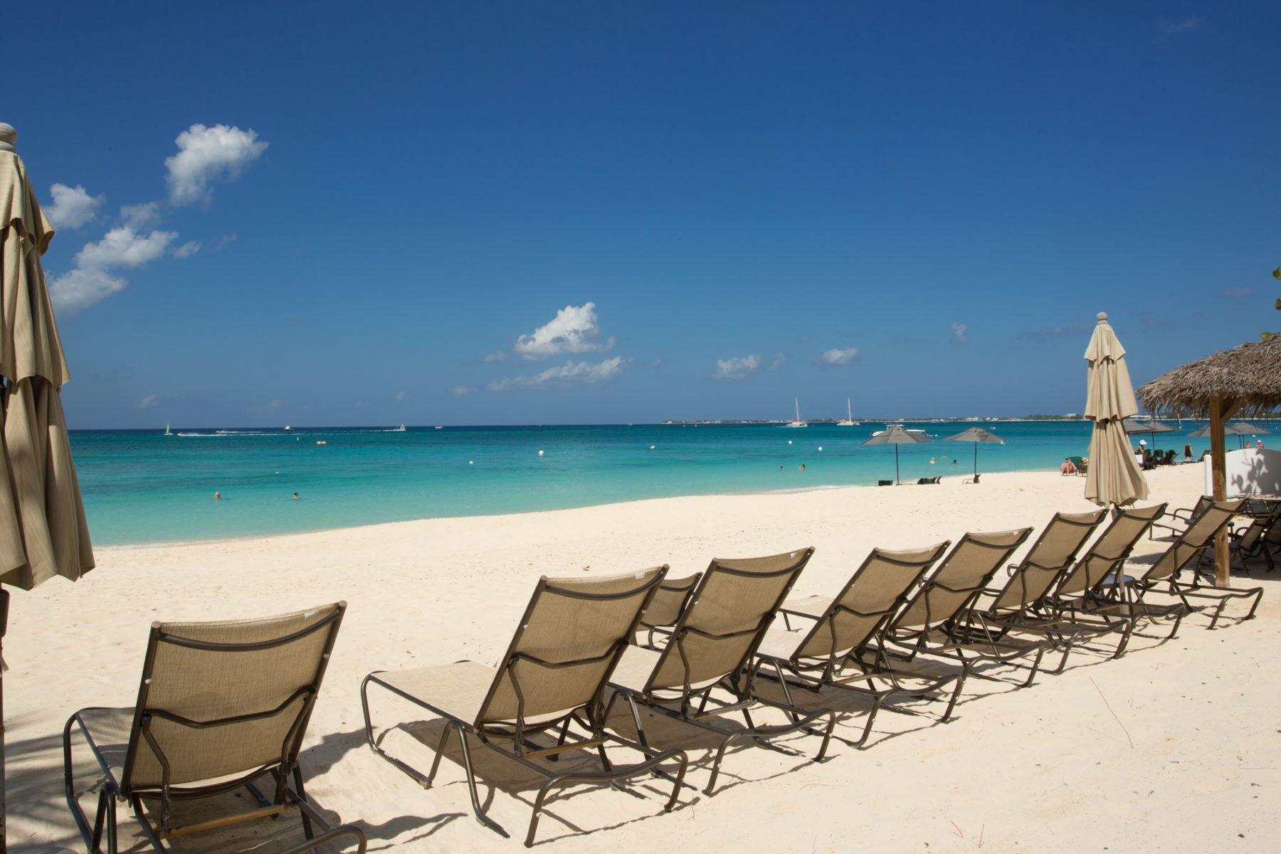 Condominium for Rent at The Meridian, Seven Mile Beach Seven Mile Beach, Cayman Islands