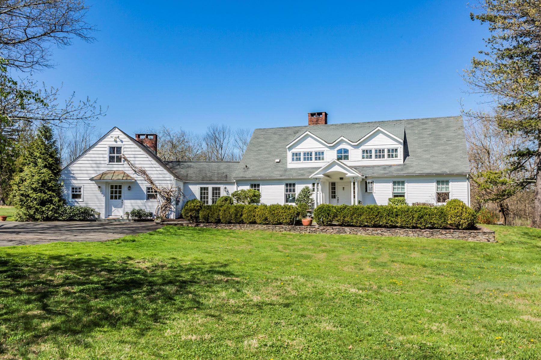 Maison unifamiliale pour l Vente à Great House Down A Country Lane - Lawrence Township 233 Carter Road Princeton, New Jersey, 08540 États-Unis