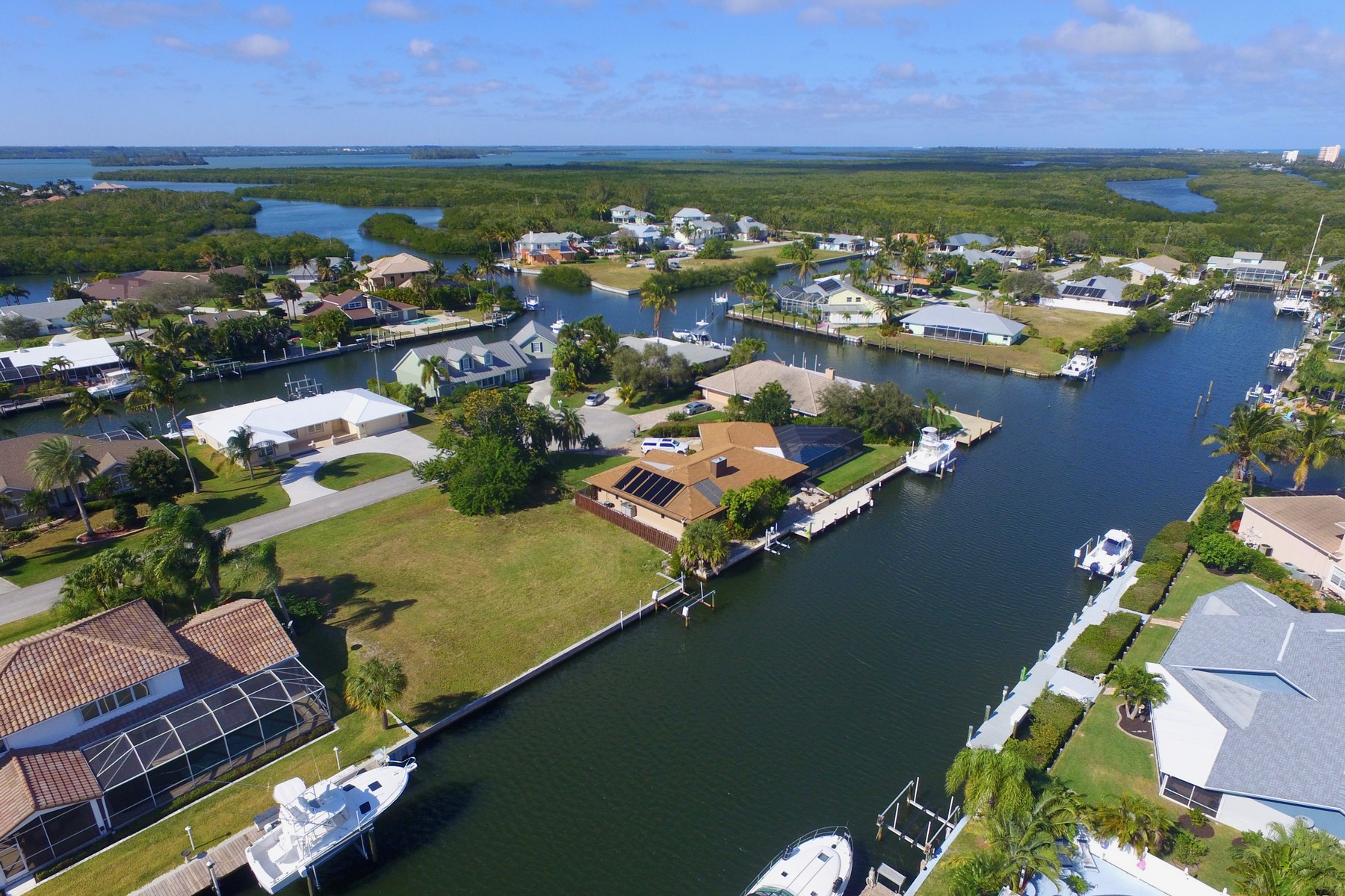 Land for Sale at Be the captain of your own waterfront homesite & build your dream home! 126 Queen Catherina Court, Hutchinson Island, Florida 34949 United States