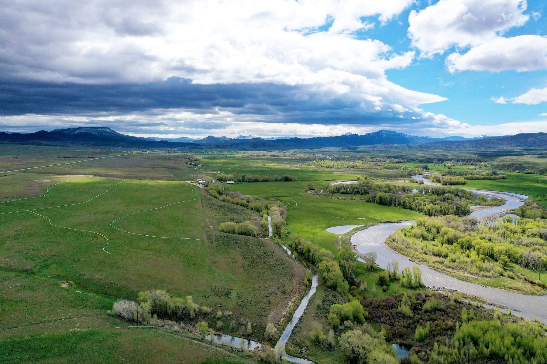Boerderij/ranch/plantage voor Verkoop op Angler's Envy Ranch 913 State Highway 70, Dixon, Wyoming 82323 Verenigde Staten