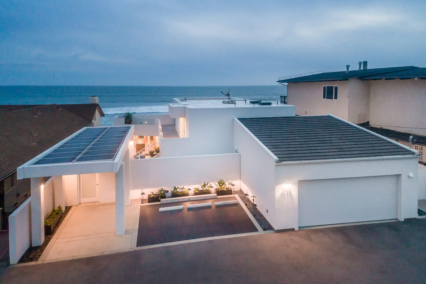 single family homes for Active at Oceanfront Contemporary Stunner 2628 Studio Dr. Cayucos, California 93430 United States
