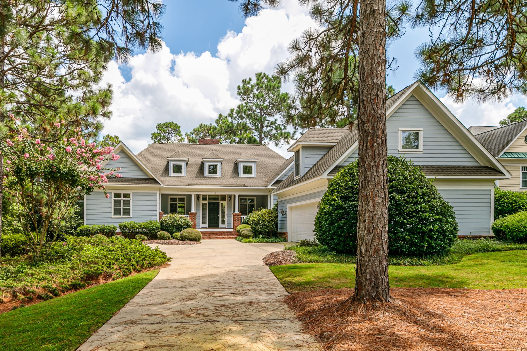 Single Family Homes for Active at 18 Granville Dr. Pinehurst, North Carolina 28374 United States