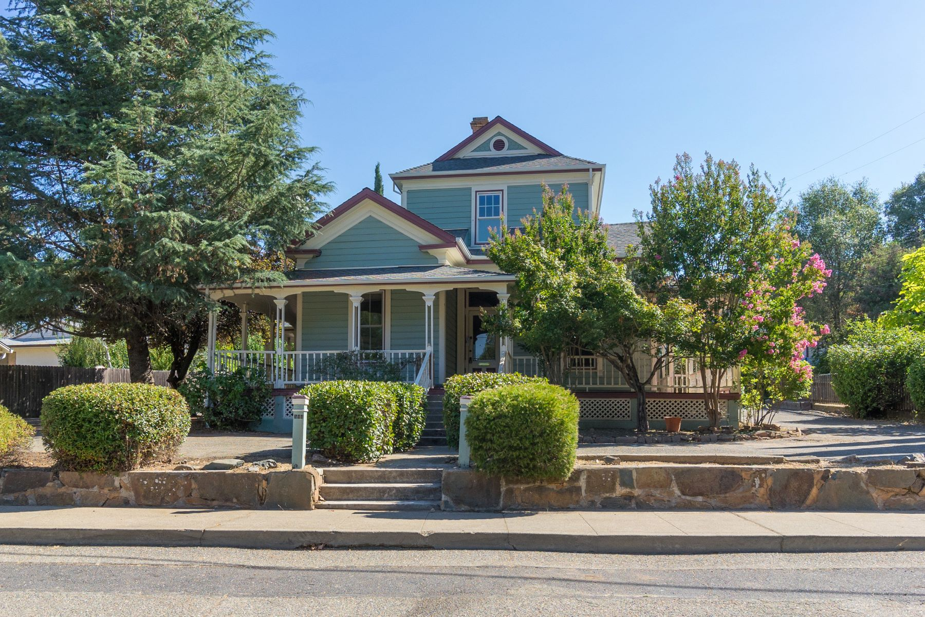 Single Family Home for Sale at Characteristics of the early 1900 era 504 Broadway Jackson, California 95642 United States