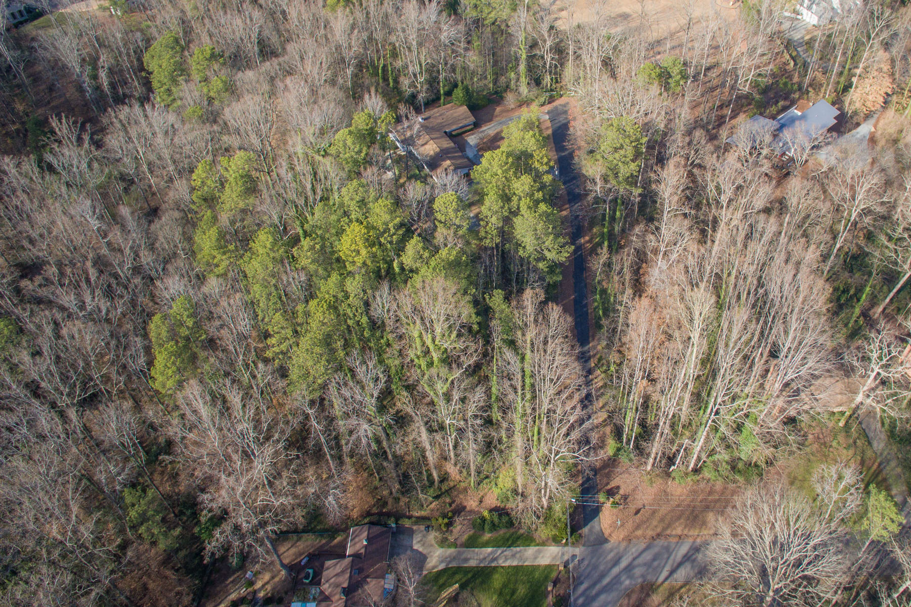 토지 용 매매 에 +/- 3.5 Acres in Prime Sandy Springs 5240 Timber Trl High Point, Atlanta, 조지아, 30342 미국