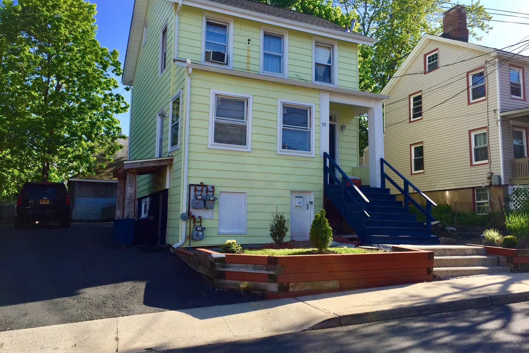 Multi-Family Homes for Active at Great Opportunity 99 Jackson Ave. Nyack, New York 10960 United States