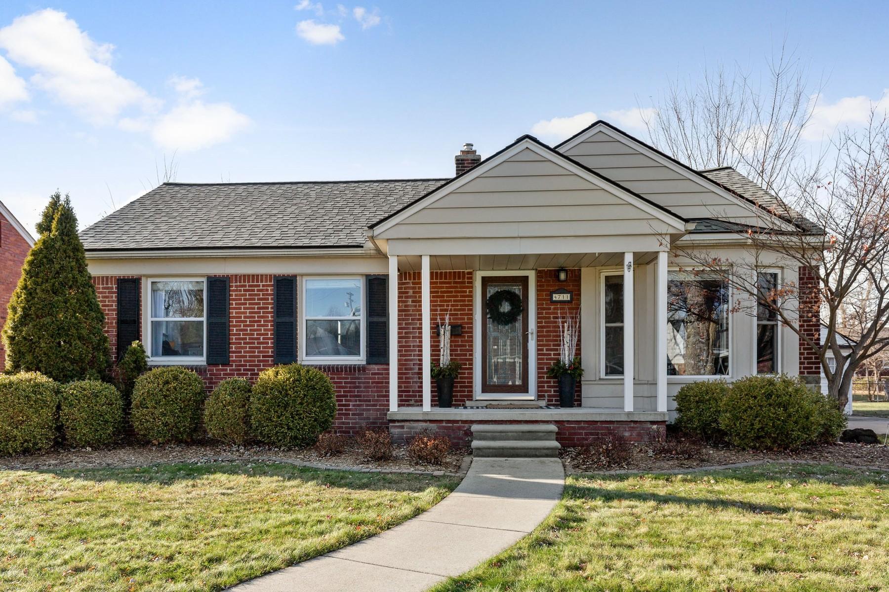 Single Family Homes for Active at Royal Oak 4711 Robinwood Avenue Royal Oak, Michigan 48073 United States