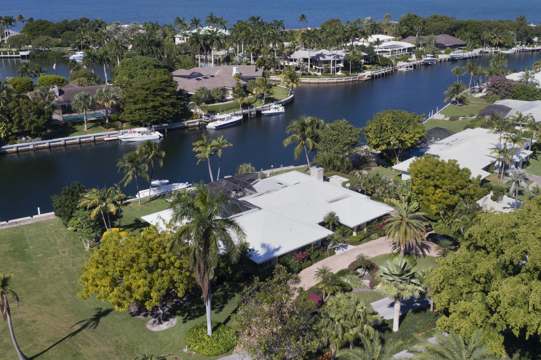 Vivienda unifamiliar por un Venta en Charming Waterfront Home at Ocean Reef 17 Sunset Cay Road, Ocean Reef Community, Key Largo, Florida, 33037 Estados Unidos