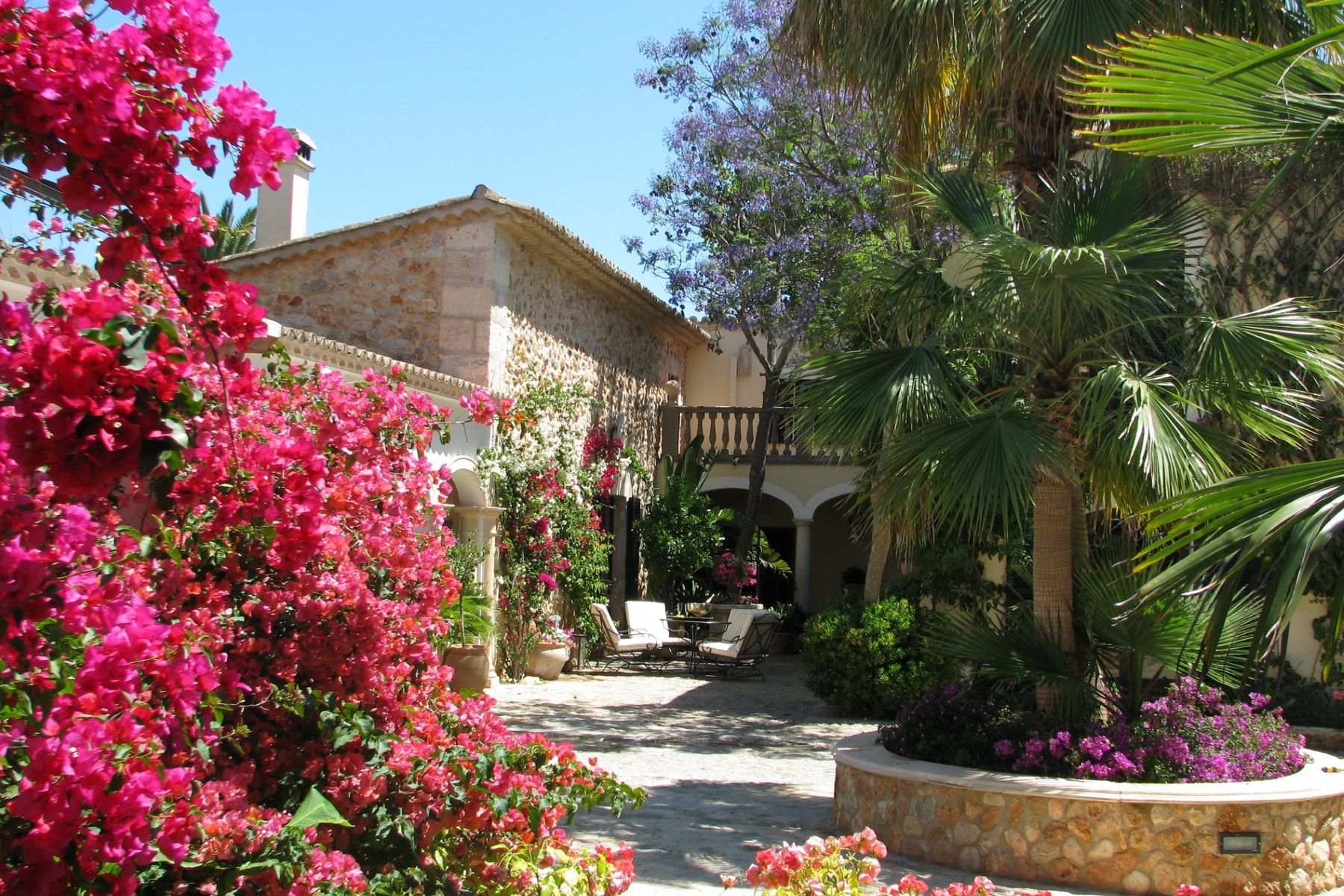 Single Family Home for Sale at Luxury Finca with beautiful views for sale Binissalem, Mallorca, Spain