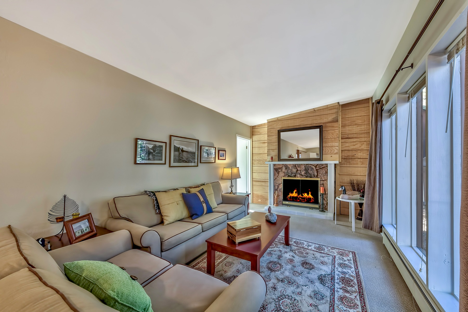Single Family Homes for Active at 926 Patricia Lane, South Lake Tahoe, CA 96150 926 Patricia Lane South Lake Tahoe, California 96150 United States