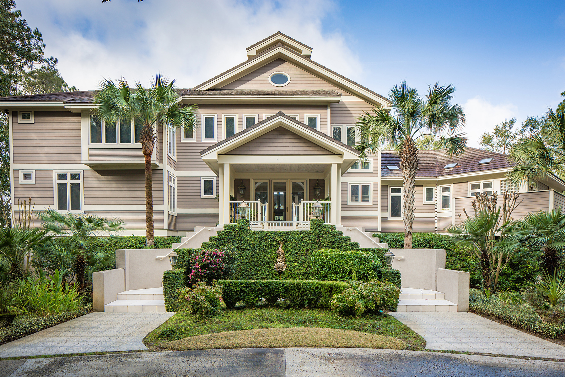 Casa Unifamiliar por un Venta en Secluded Waterfront Estate 3906 Betsy Kerrison Pkwy. Johns Island, Carolina Del Sur, 29455 Estados Unidos