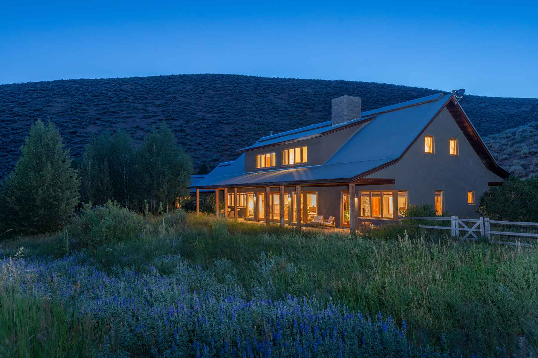 Single Family Home for Sale at Mountain Contemporary with Privacy 224 Red Devil Dr Hailey, Idaho 83333 United States