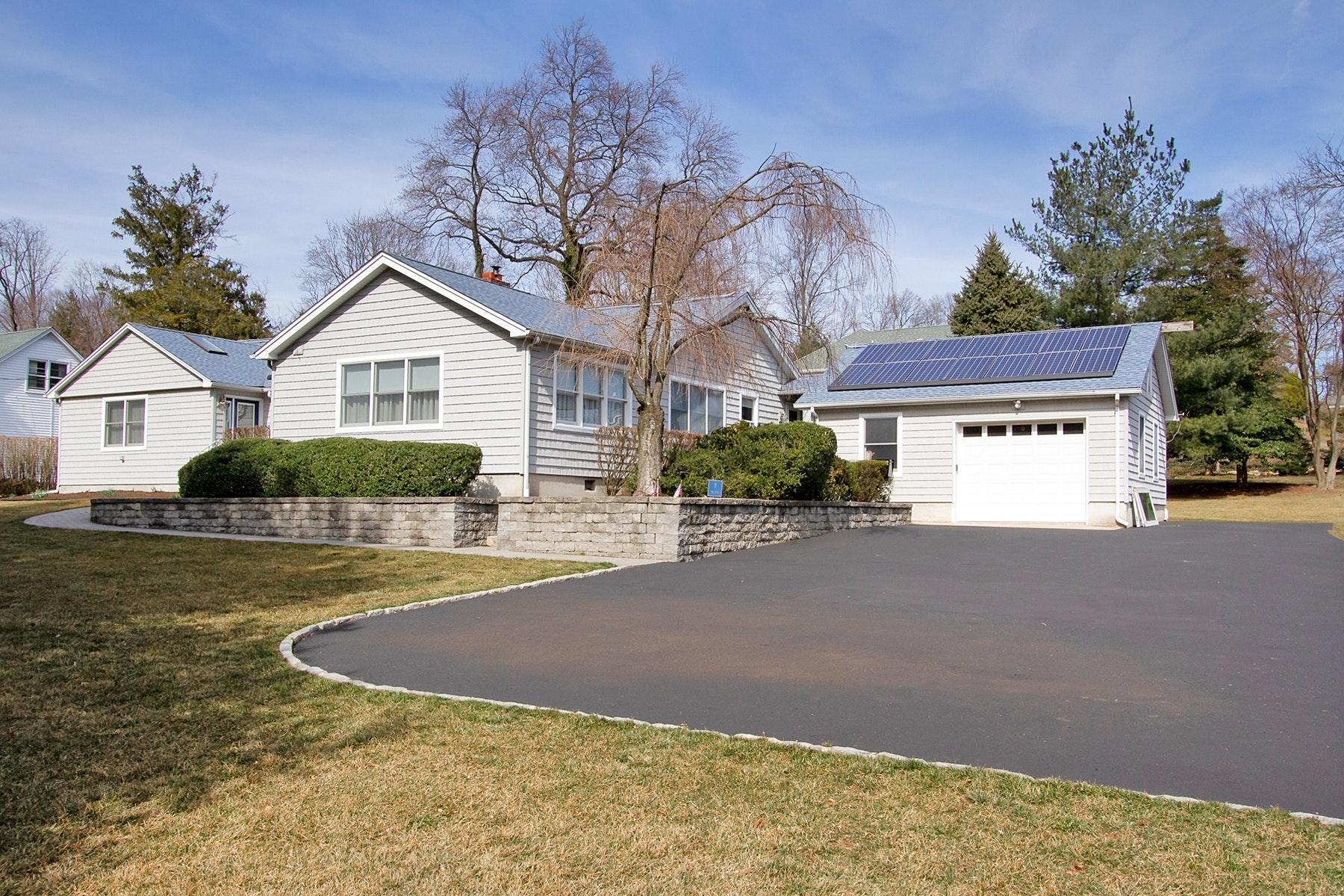 Частный односемейный дом для того Продажа на 7 Fox Hill Drive Little Silver, Нью-Джерси 07739 Соединенные Штаты