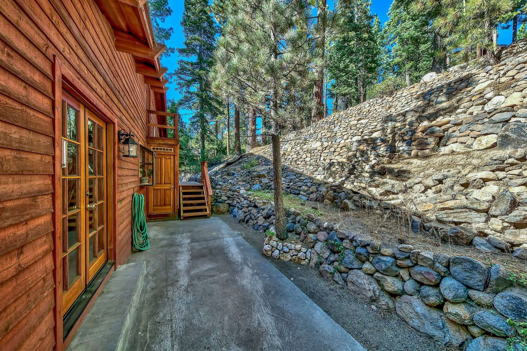 Additional photo for property listing at 504 Country Club Drive, Incline Village, NV 89451 504 Country Club Drive Incline Village, Nevada 89451 United States
