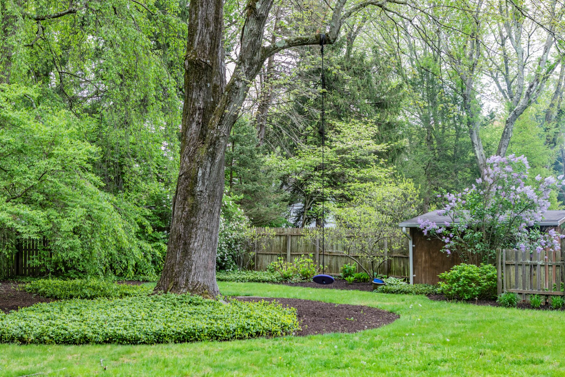 Additional photo for property listing at Expanded Princeton Cape with Oodles of Charm 41 Gulick Road, Princeton, New Jersey 08540 United States