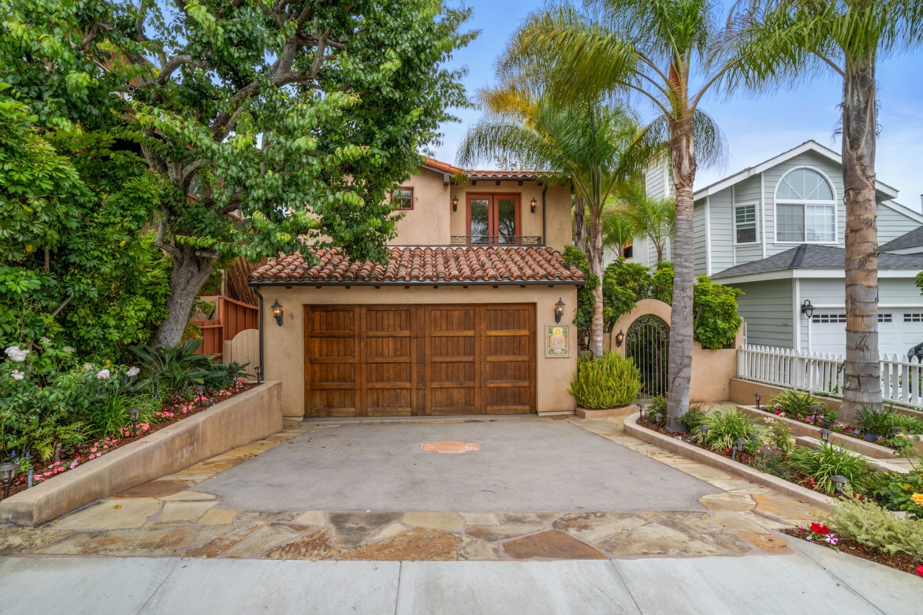 Single Family Home for Sale at 2310 Palm Av, Manhattan Beach 90266 2310 Palm Ave Manhattan Beach, California 90266 United States