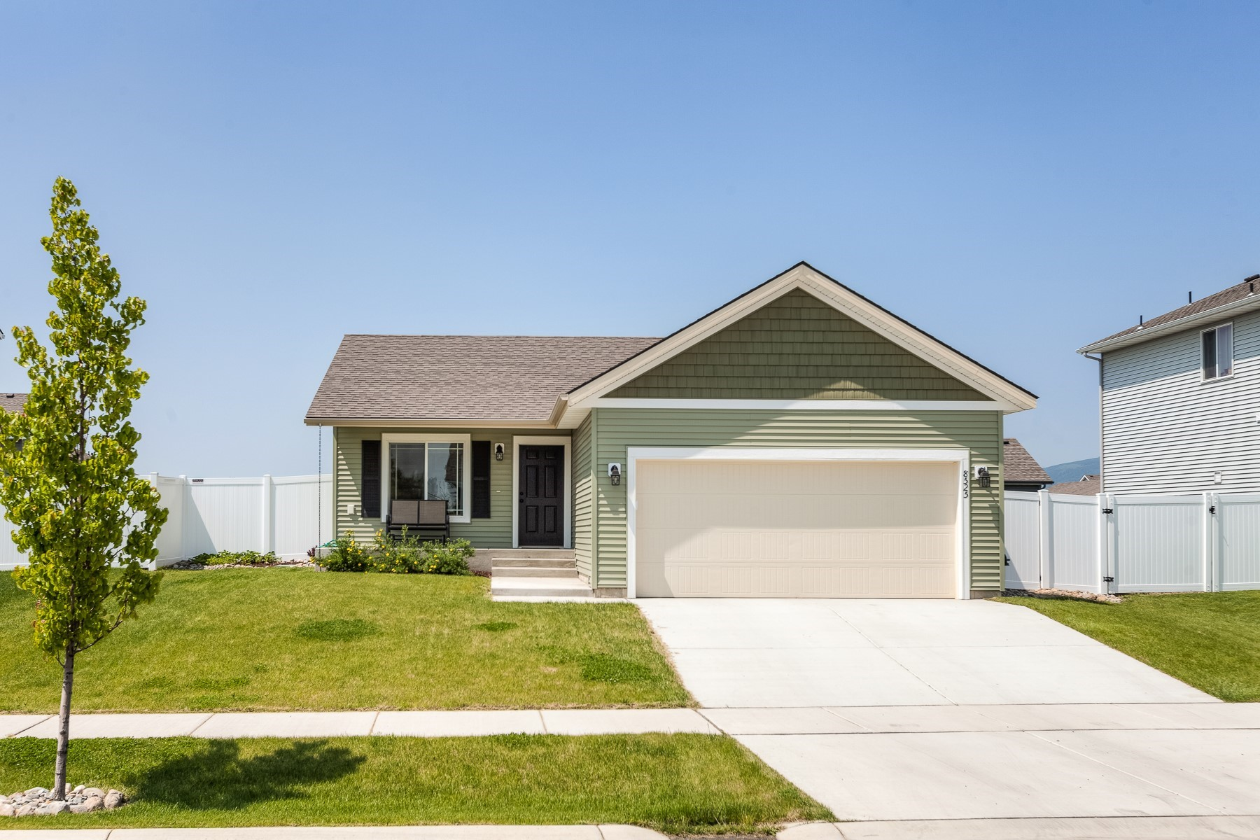 Single Family Homes for Active at Better Than New! 8525 N Haddon Post Falls, Idaho 83854 United States
