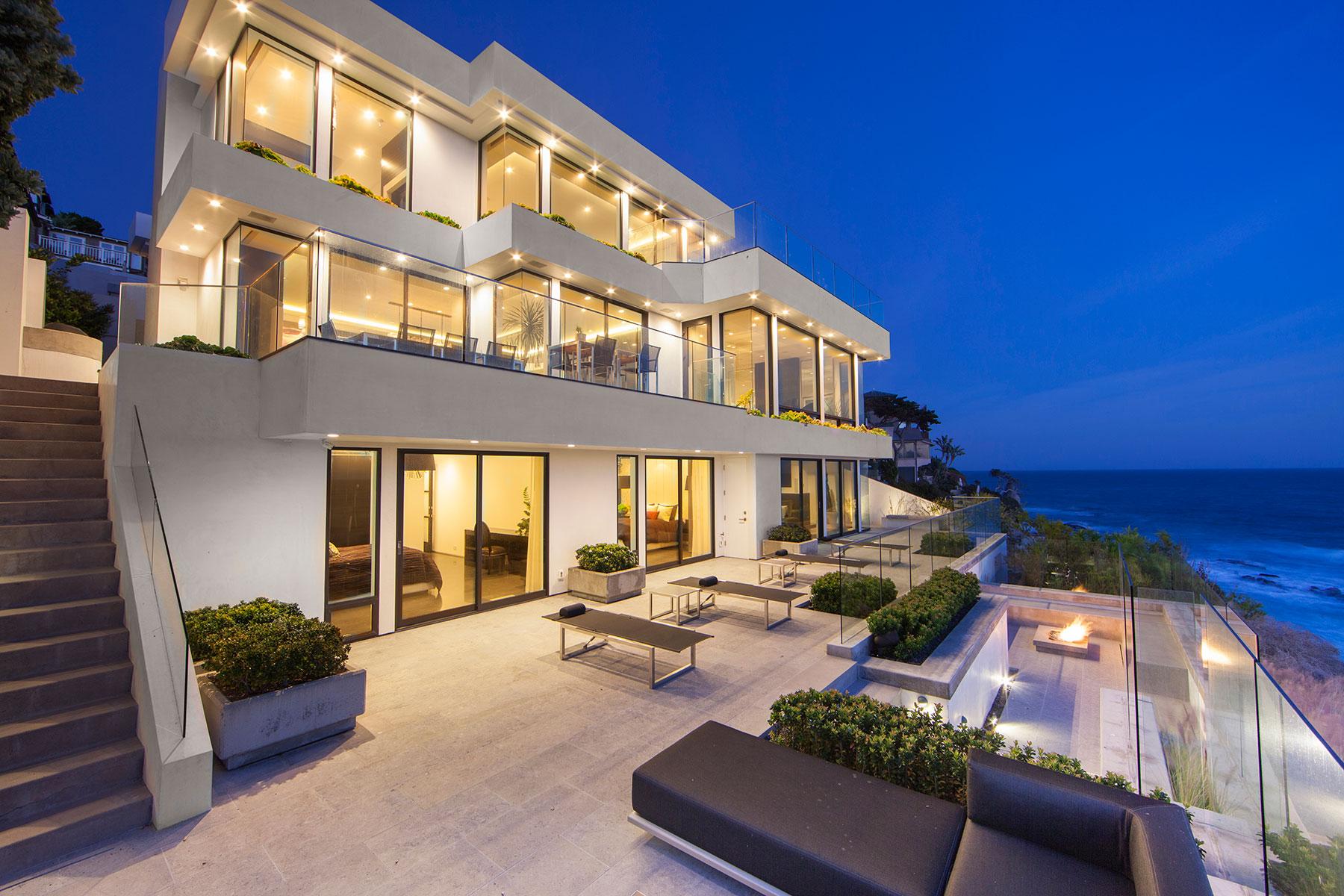 Maison unifamiliale pour l Vente à 2661 Victoria Dr. Laguna Beach, Californie, 92651 États-Unis