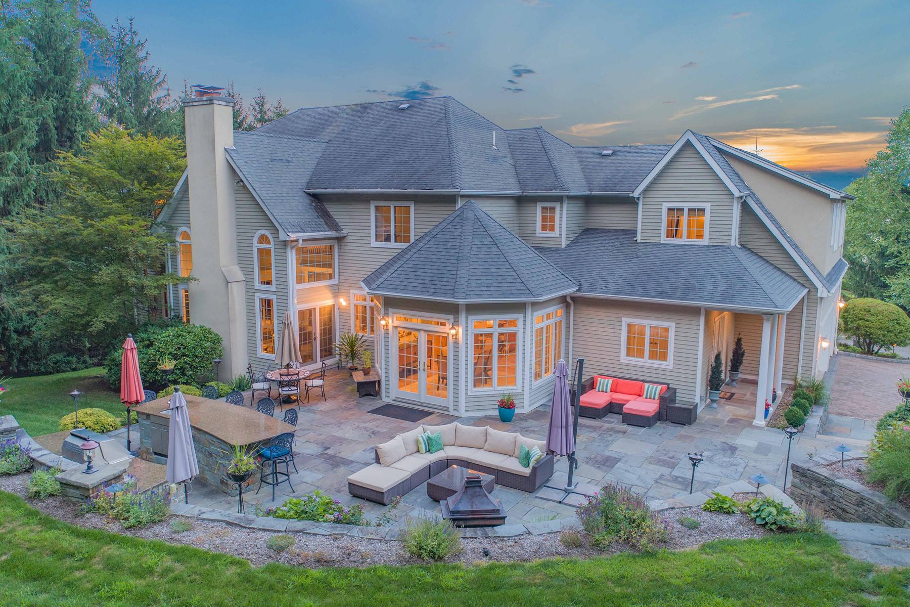 Maison unifamiliale pour l Vente à Luxurious Estate 31 Degraaf Court Mahwah, New Jersey 07430 États-Unis