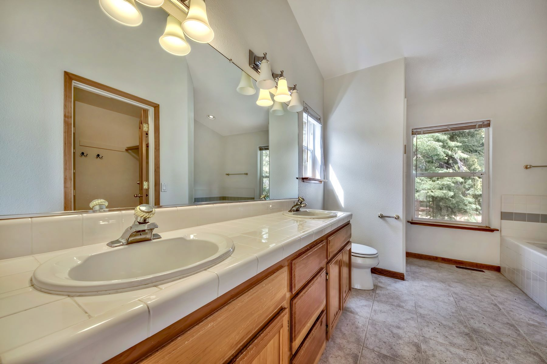 Additional photo for property listing at 7511 Kingswood Drive, Kings Beach , CA 7511 Kingswood Drive Kings Beach, California 96143 United States