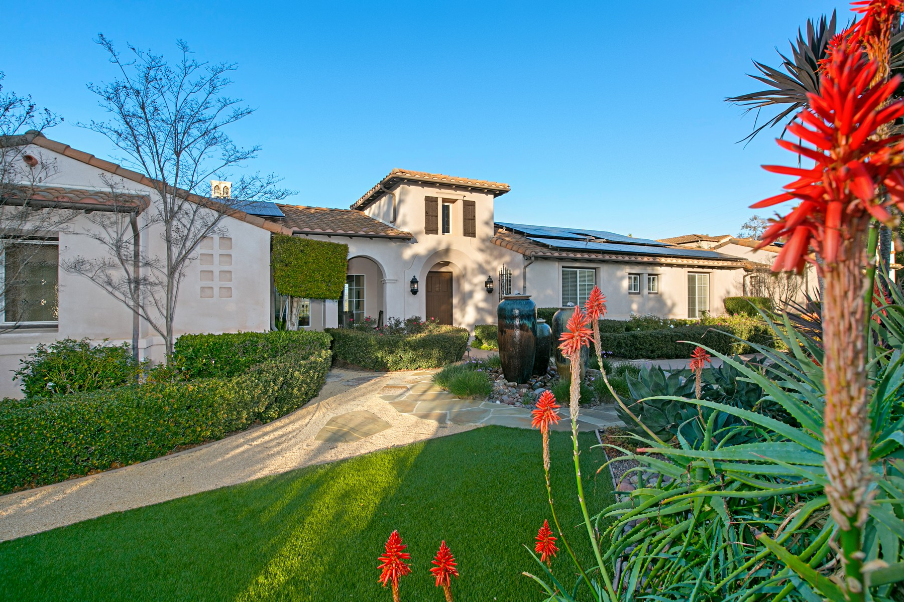 Single Family Home for Active at 13650 Overland Pass 13650 Overland Pass Poway, California 92064 United States