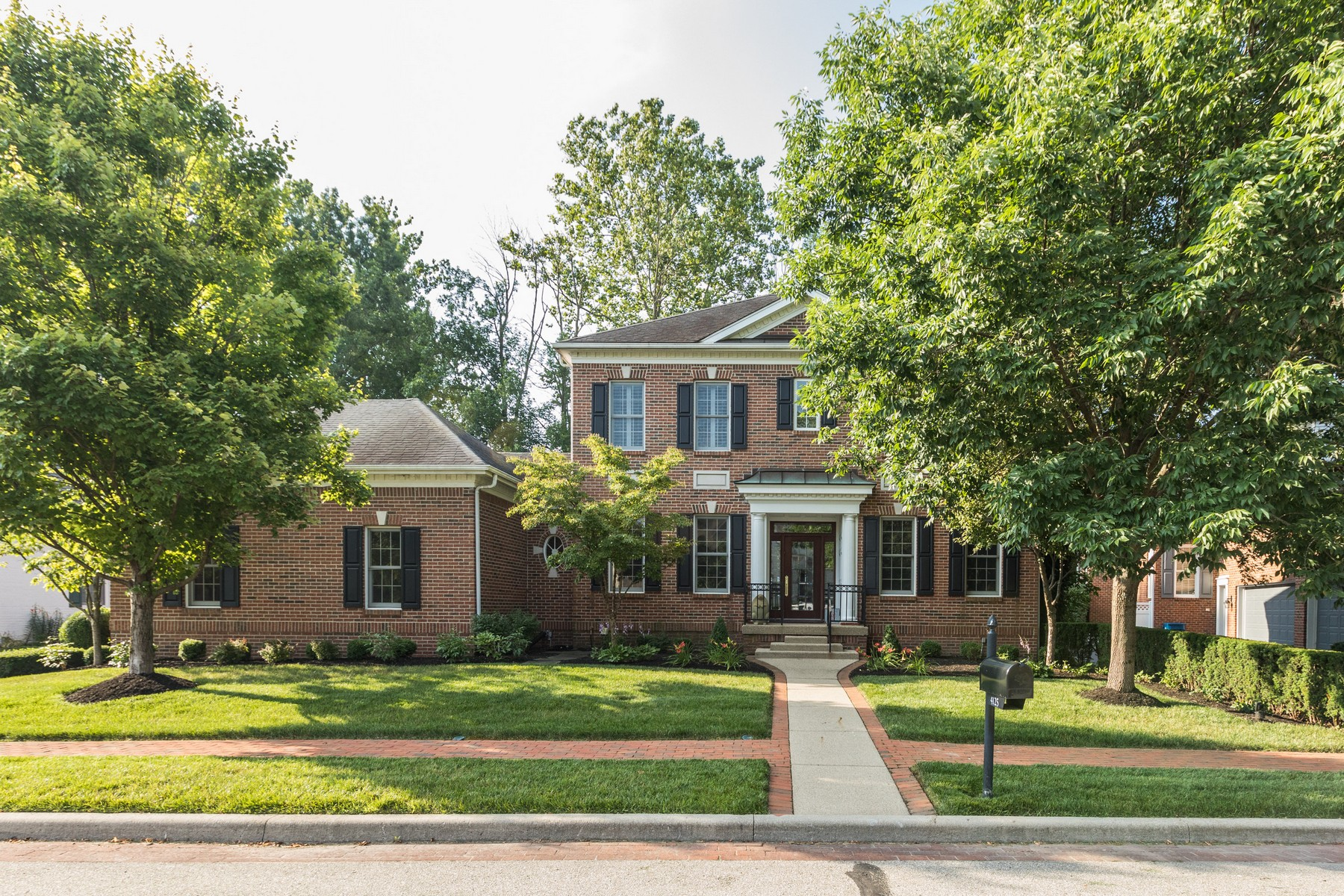 Single Family Homes للـ Sale في Architecturally Stunning Home 4125 Heyward Lane, Indianapolis, Indiana 46250 United States