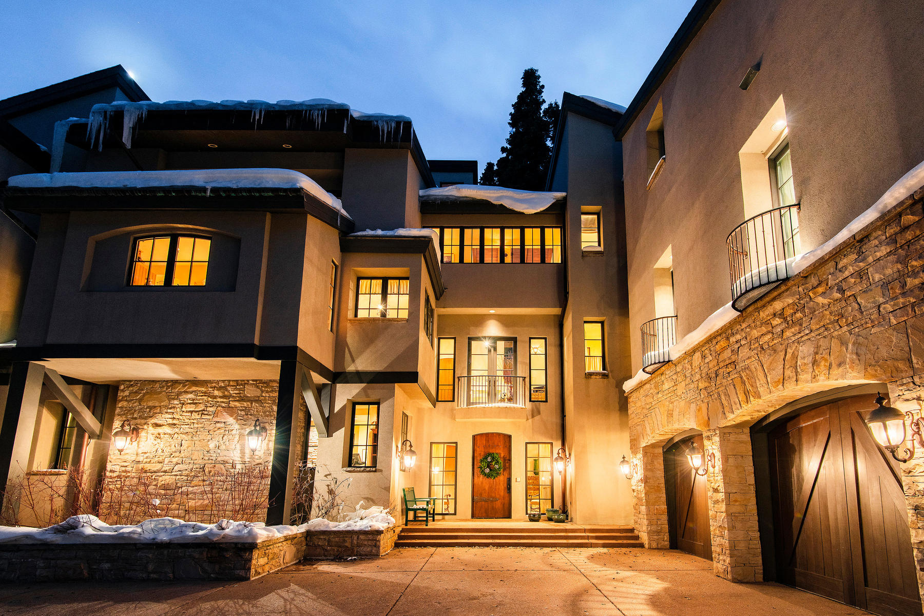 Single Family Homes for Sale at Ski Slope and Lake Views with Direct Deer Valley Ski Access 8030 Bald Eagle Dr Park City, Utah 84060 United States