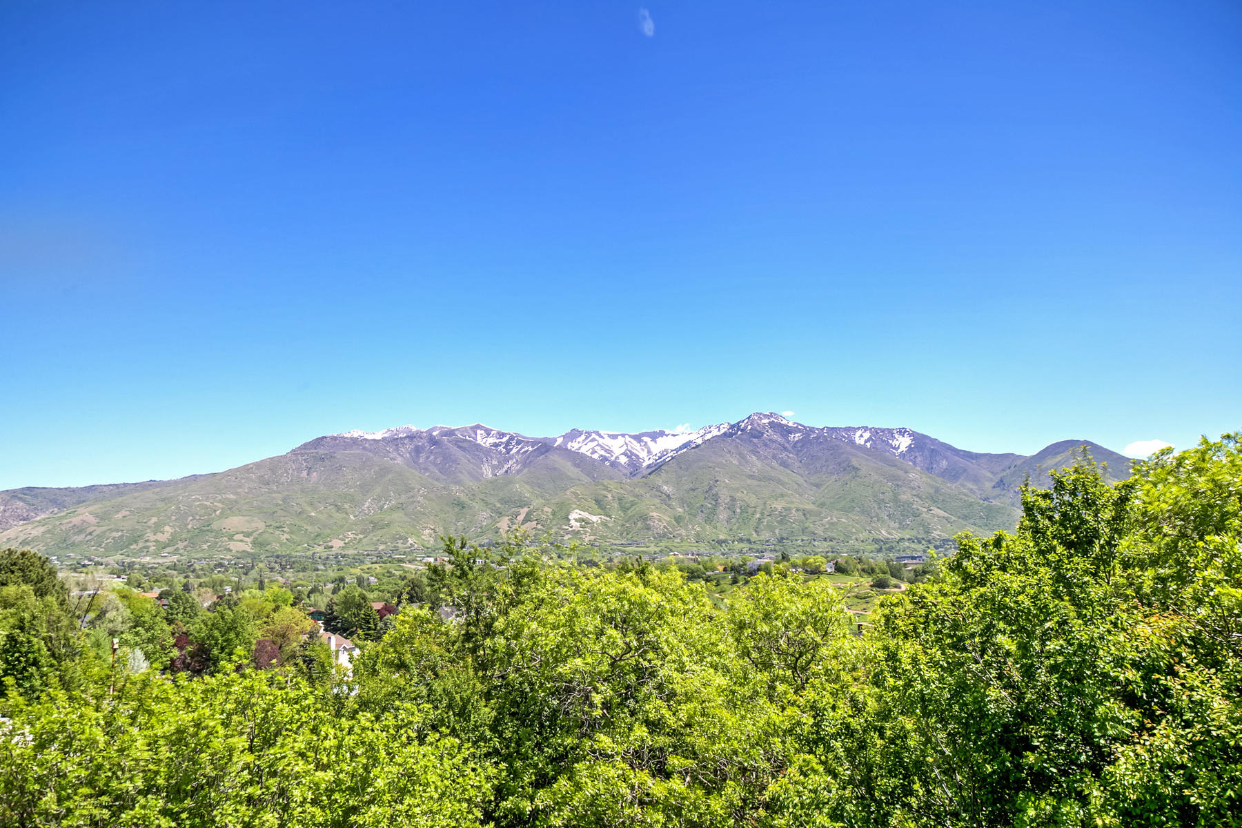 토지 용 매매 에 Unobstructed Mountain and Valley Views 5966 South 1055 East Lot 2 South Ogden, 유타, 84405 미국
