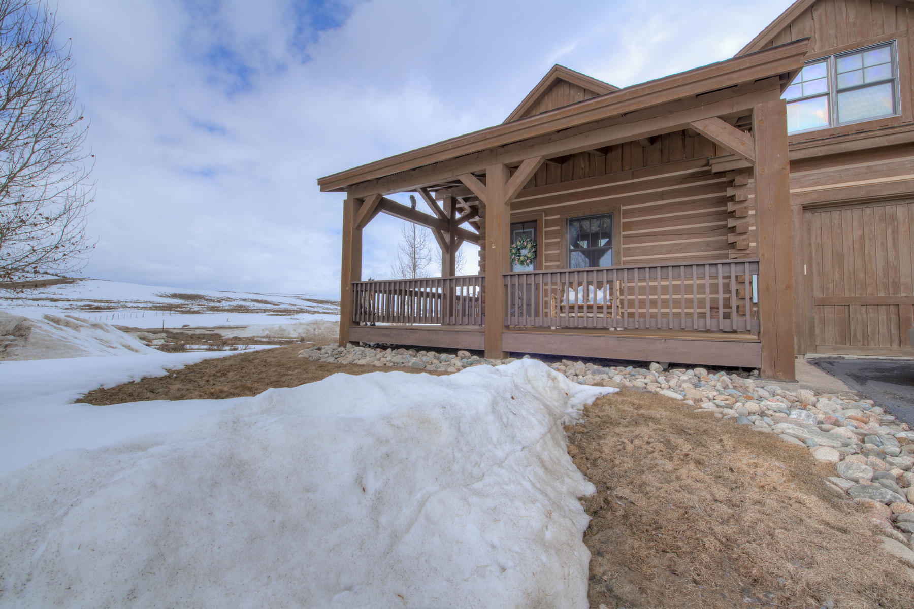 Single Family Homes for Sale at Exceptional Location in Grand Elk 204 Thompson Road Granby, Colorado 80446 United States