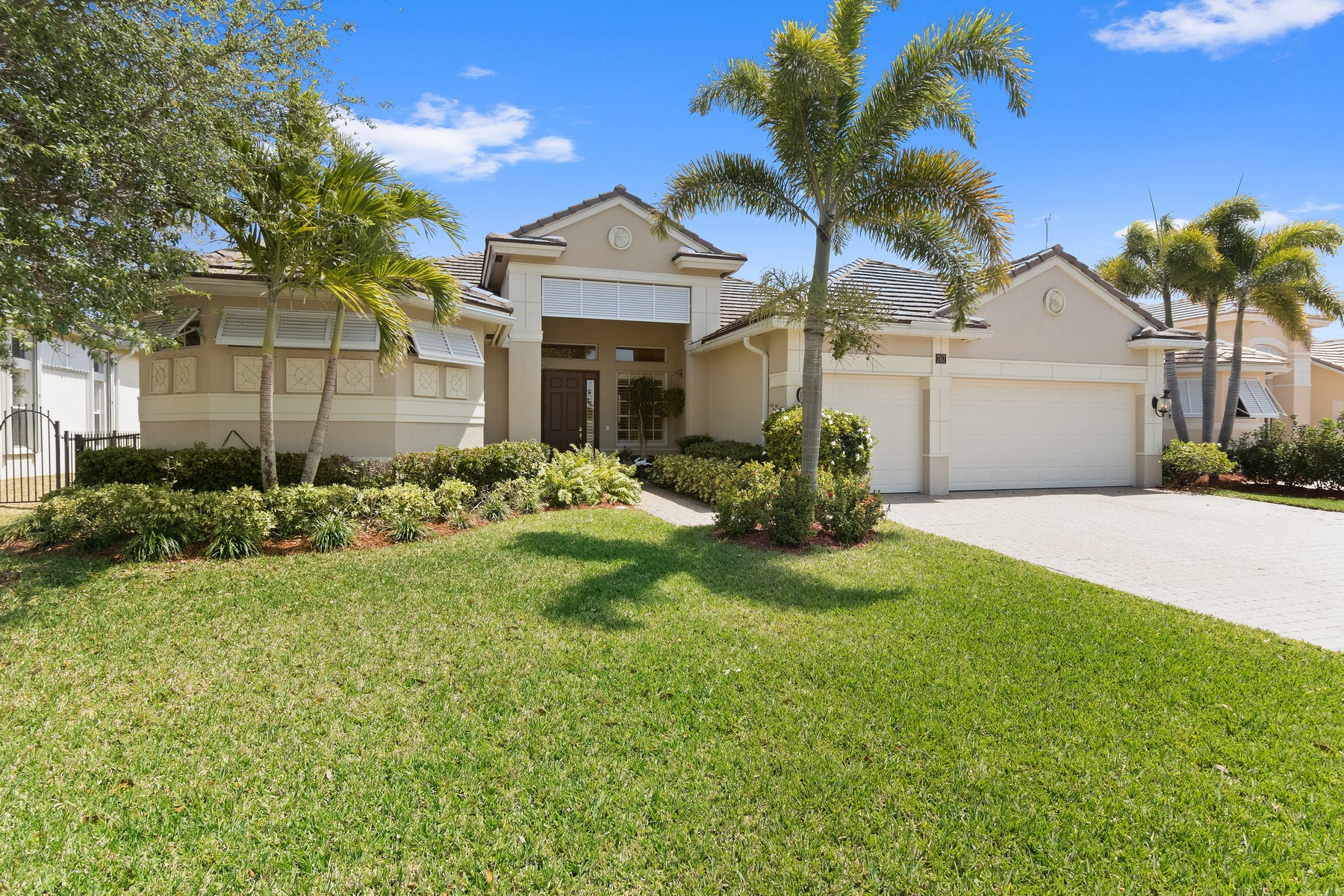 Casa para uma família para Venda às 767 SW River Bend Circle Stuart, Florida, 34997 Estados Unidos