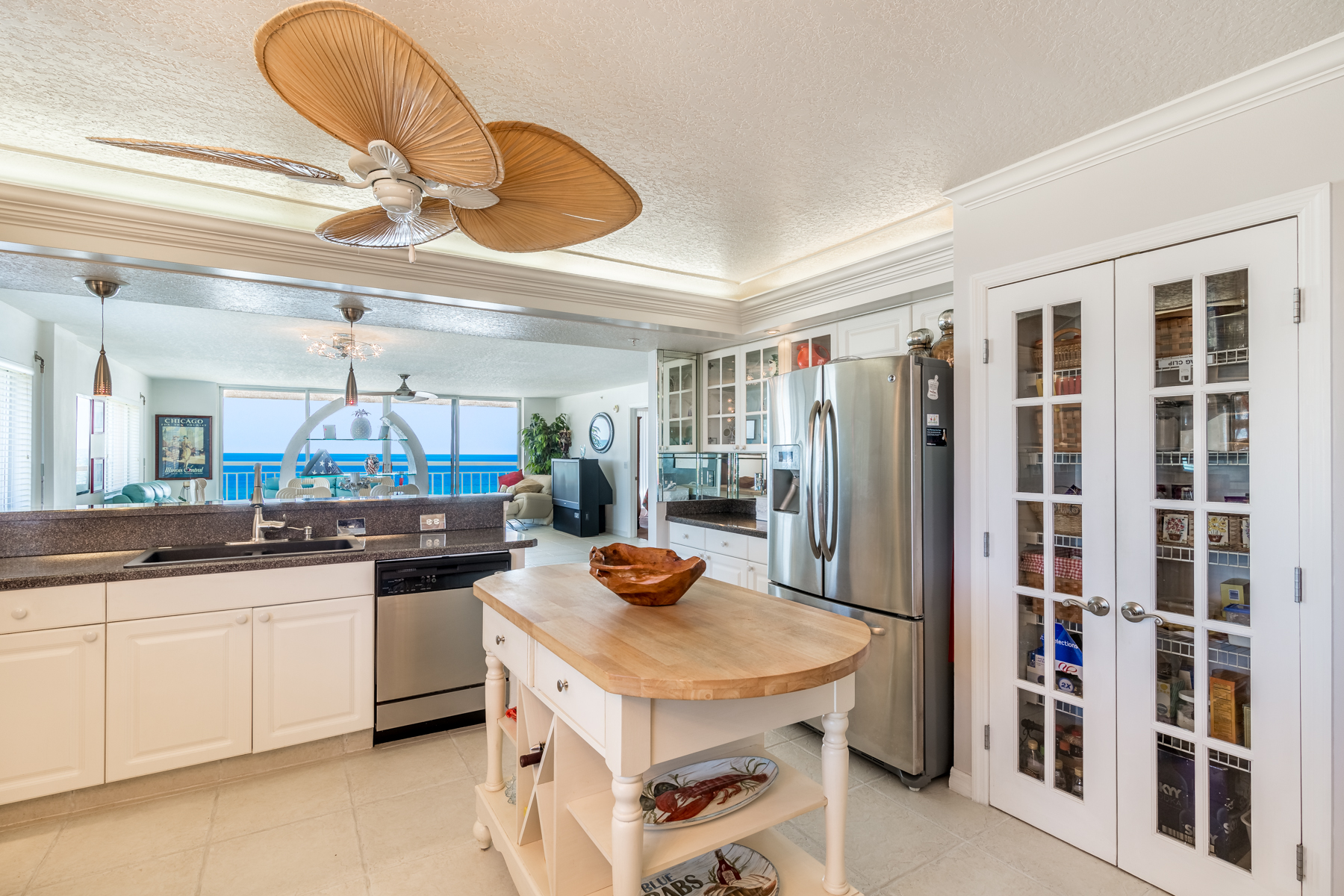 Additional photo for property listing at Gorgeous Oceanfront Penthouse in Golden Palm Condo 1941 Highway A1A #402 Indian Harbour Beach, Florida 32937 United States
