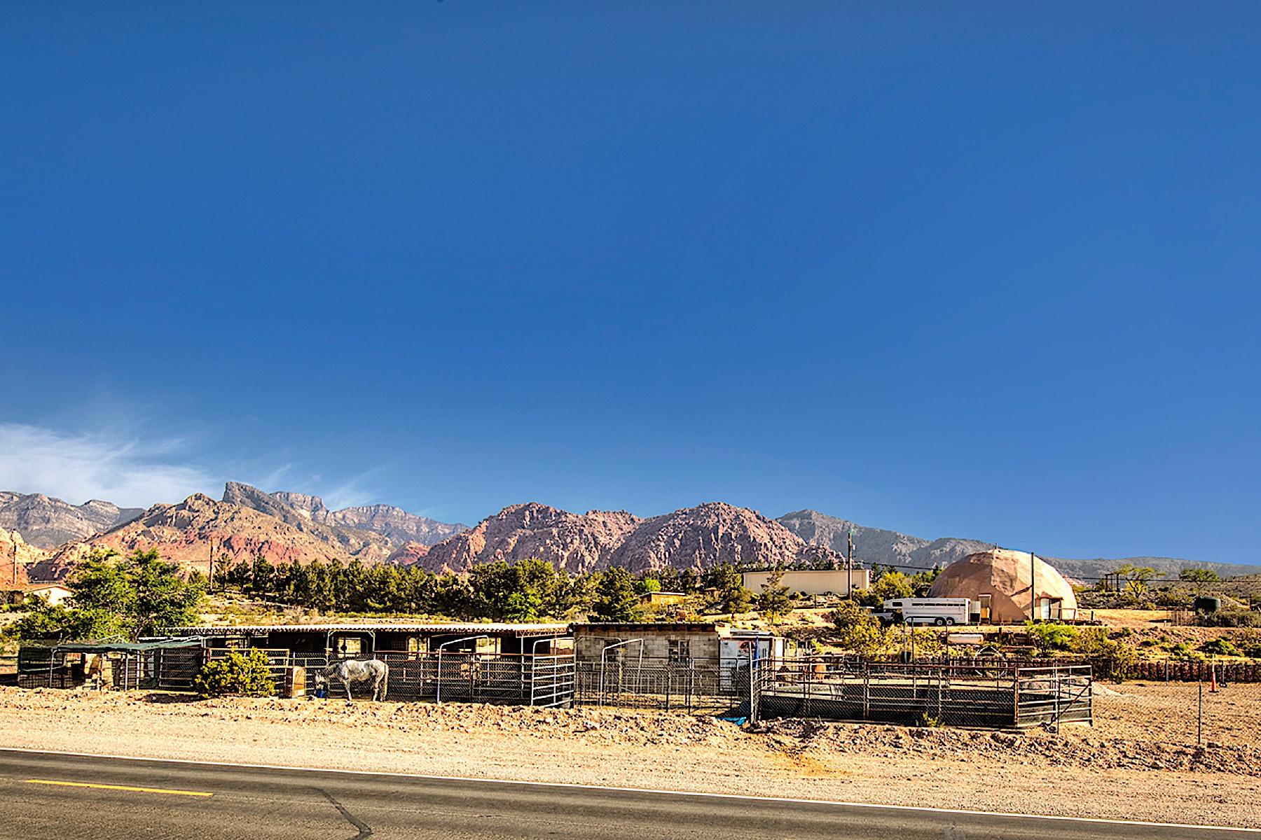 独户住宅 为 销售 在 Red Rock Ranch in Calico Basin 14320 Calico Basin Road 拉斯维加斯, 内华达州, 89161 美国