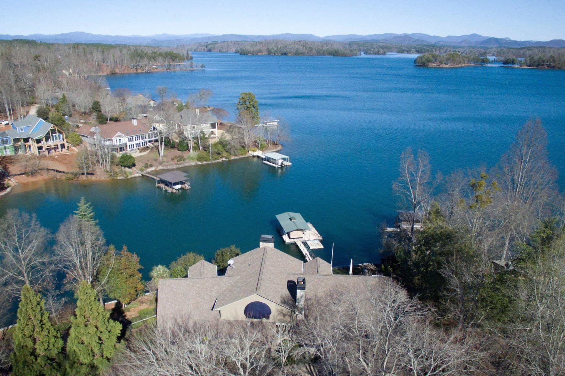 Single Family Homes por un Venta en Captivating Waterfront Homes with Views 7 Point North Drive, Salem, Carolina del Sur 29676 Estados Unidos