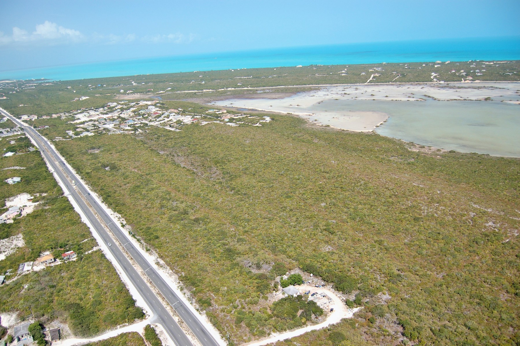 Additional photo for property listing at Undeveloped Land Leeward Highway Oceanview The Bight, 普罗维登夏 TKCA 1ZZ 特克斯和凯科斯群岛