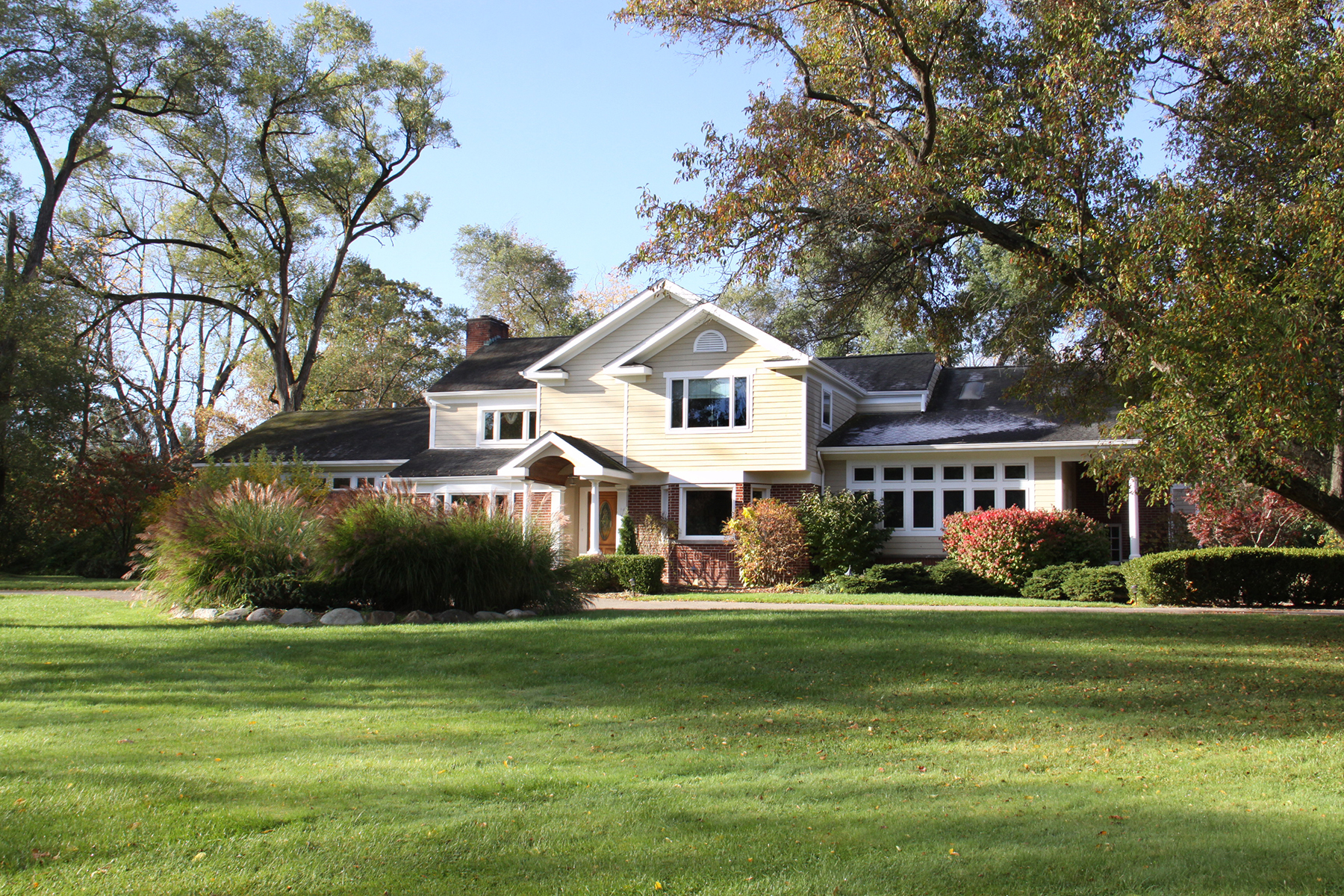 Single Family Home for Sale at Bingham Farms Village 32275 Bingham Raod, Bingham Farms, Michigan, 48025 United States